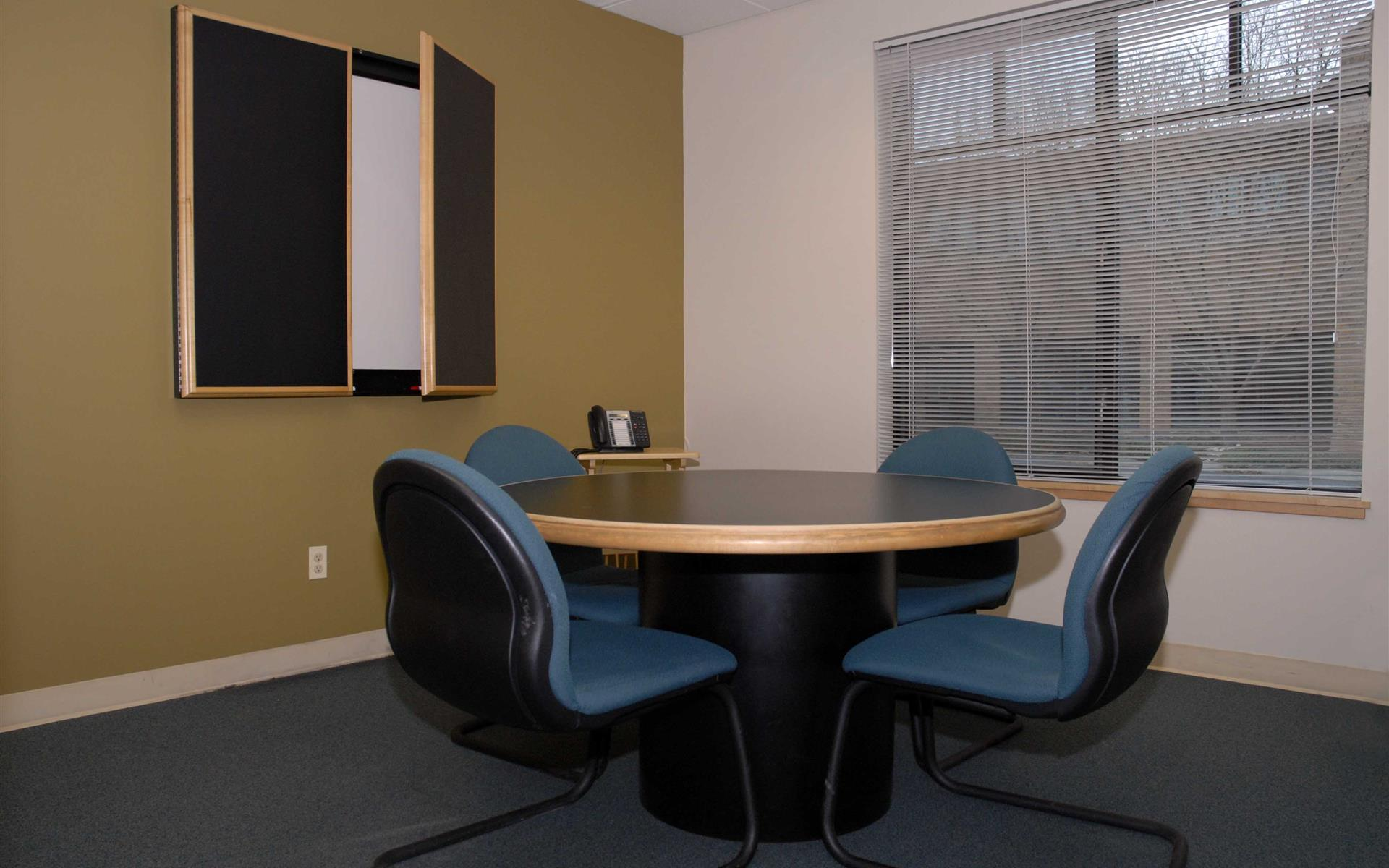 Intelligent Office Boulder - Small Conference Room