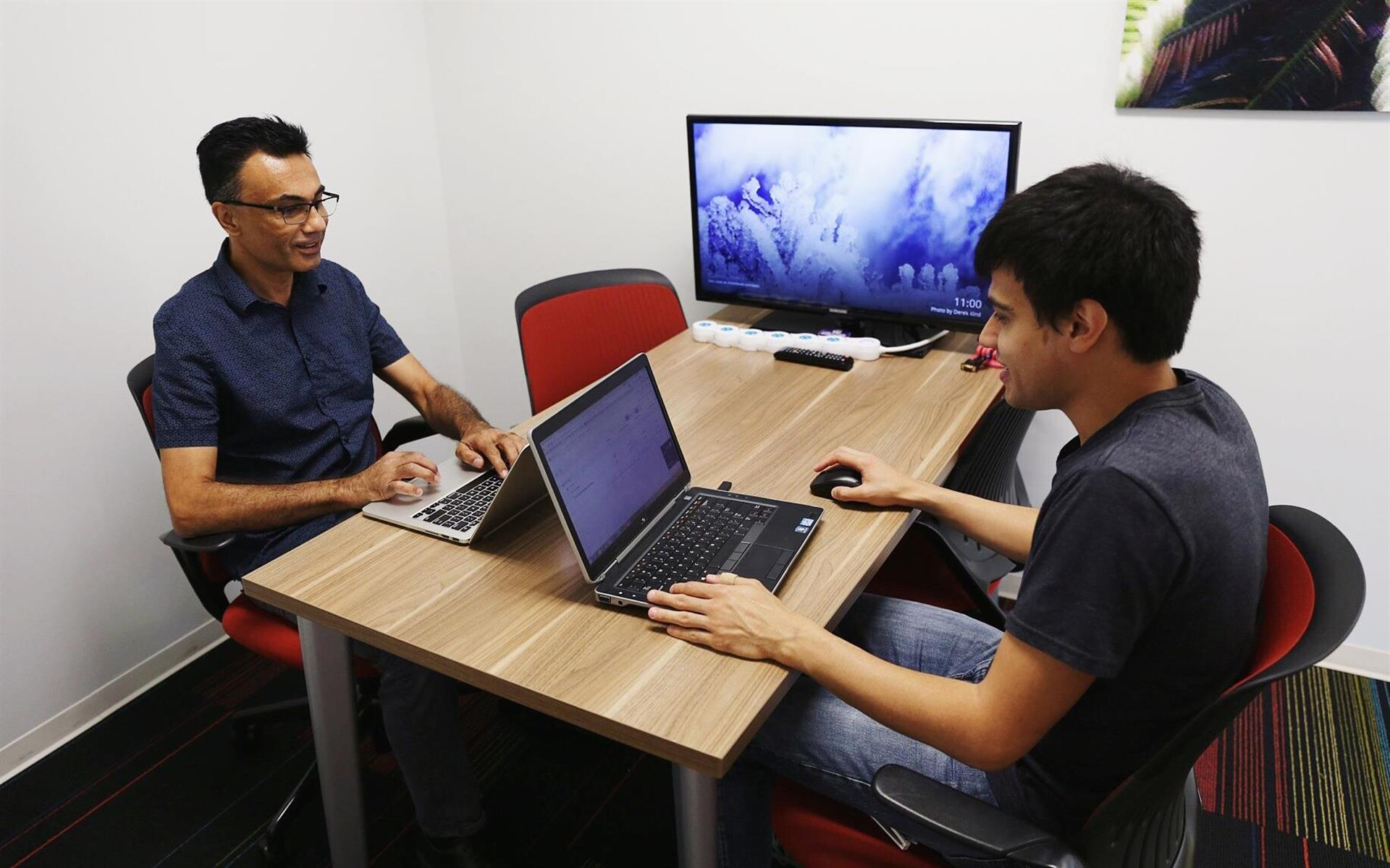 Link Coworking - Meeting Room 1