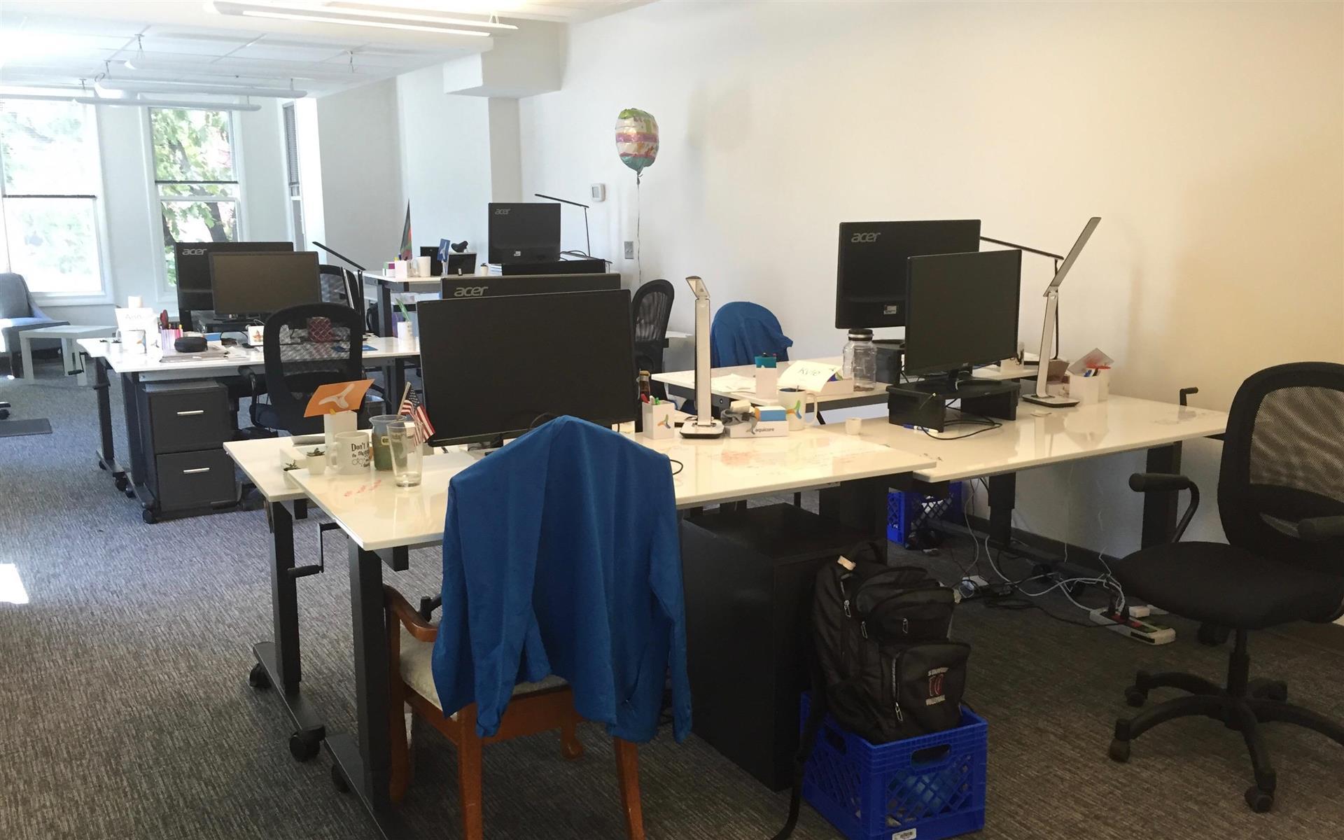 Aquicore - Vibrant and Spacious Team Office