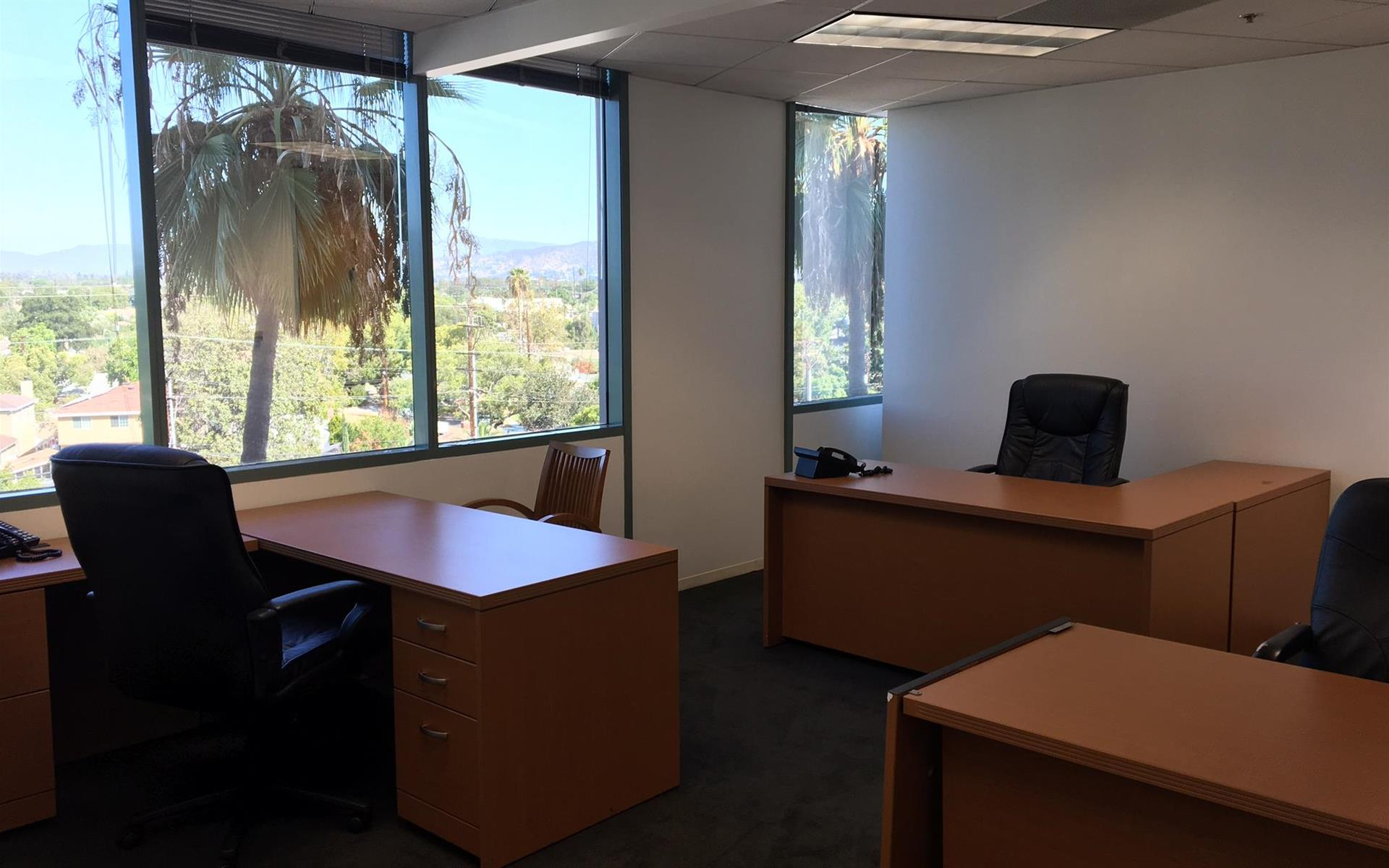 (BUR) Burbank Media District - Up to 6 Person Office