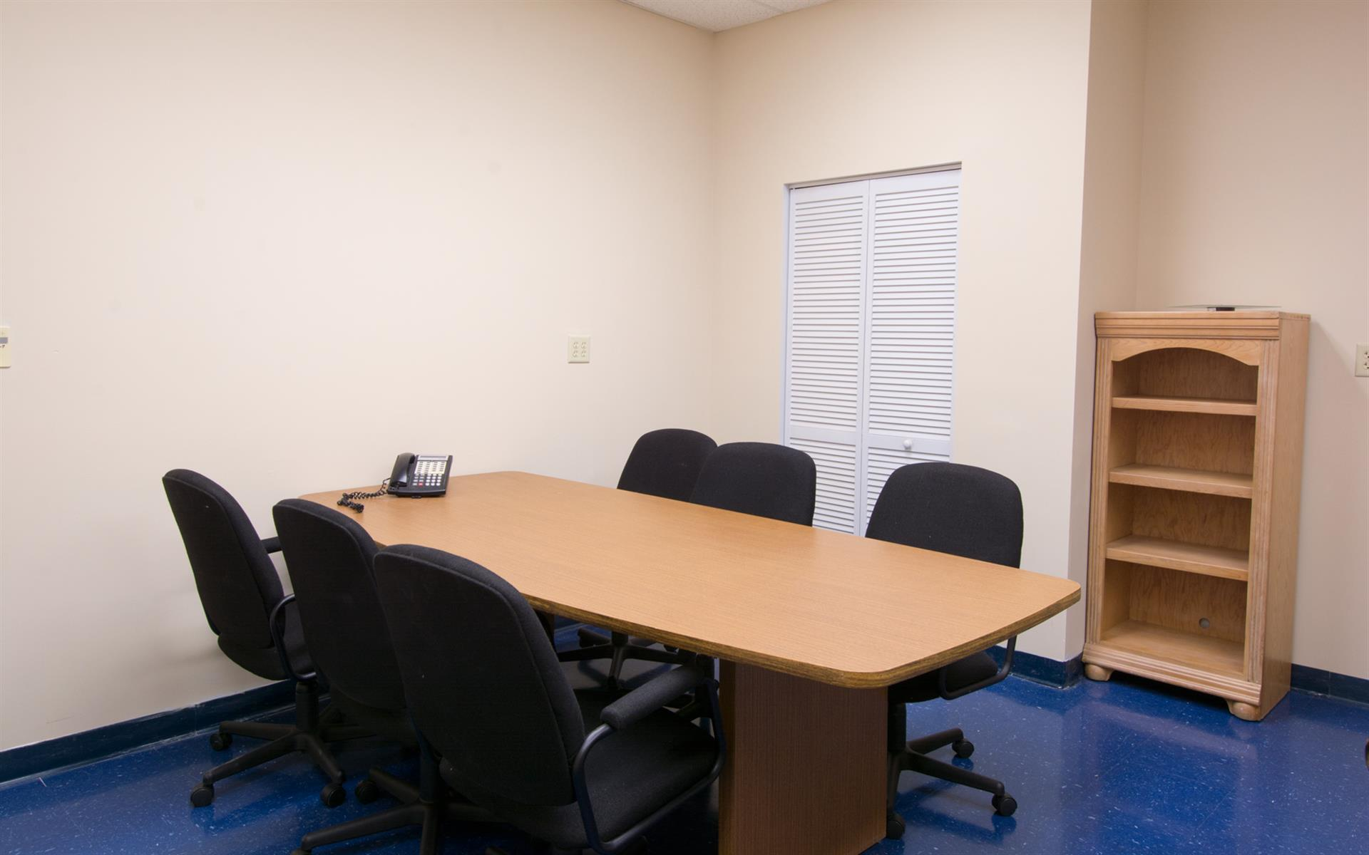 Suite 4K Studios - 6 person conference room