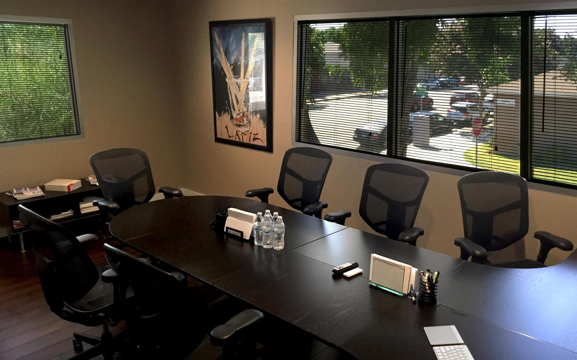 Eiffel Media - Private Meeting Room