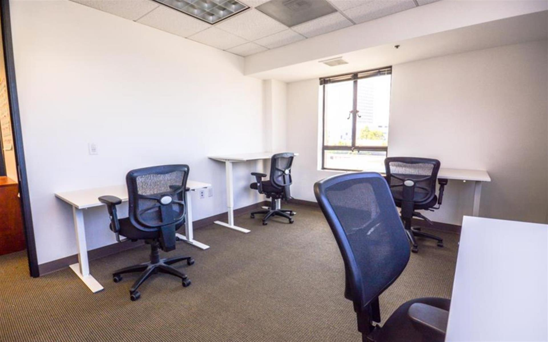 SOMAcentral | Oakland - Private Office For 6