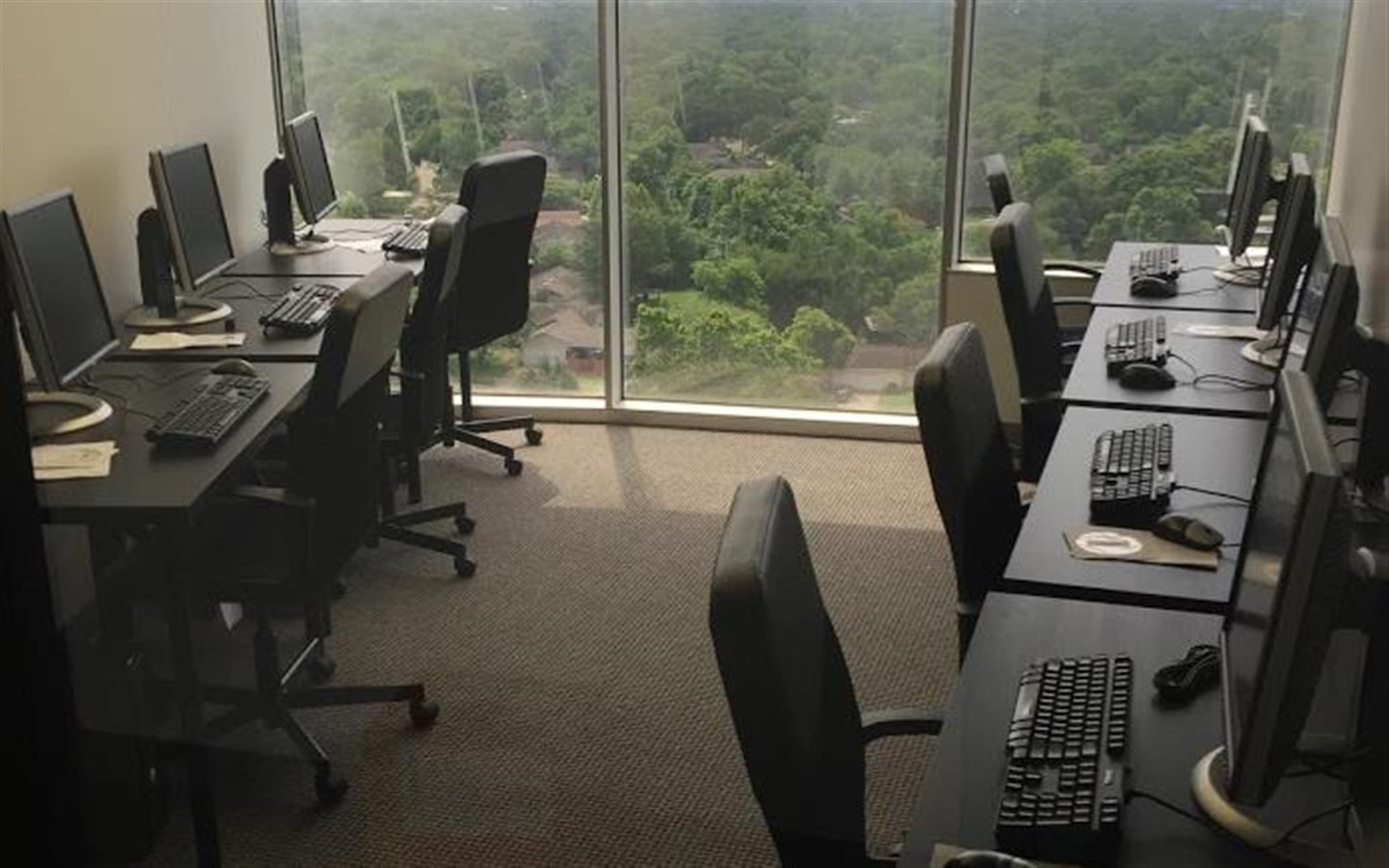 AdeptMAX Corp. - Dedicated Desks