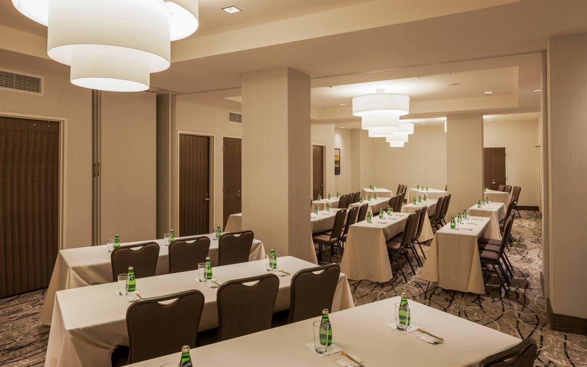 Hilton Garden Inn - Long Island City - Full Conference Room