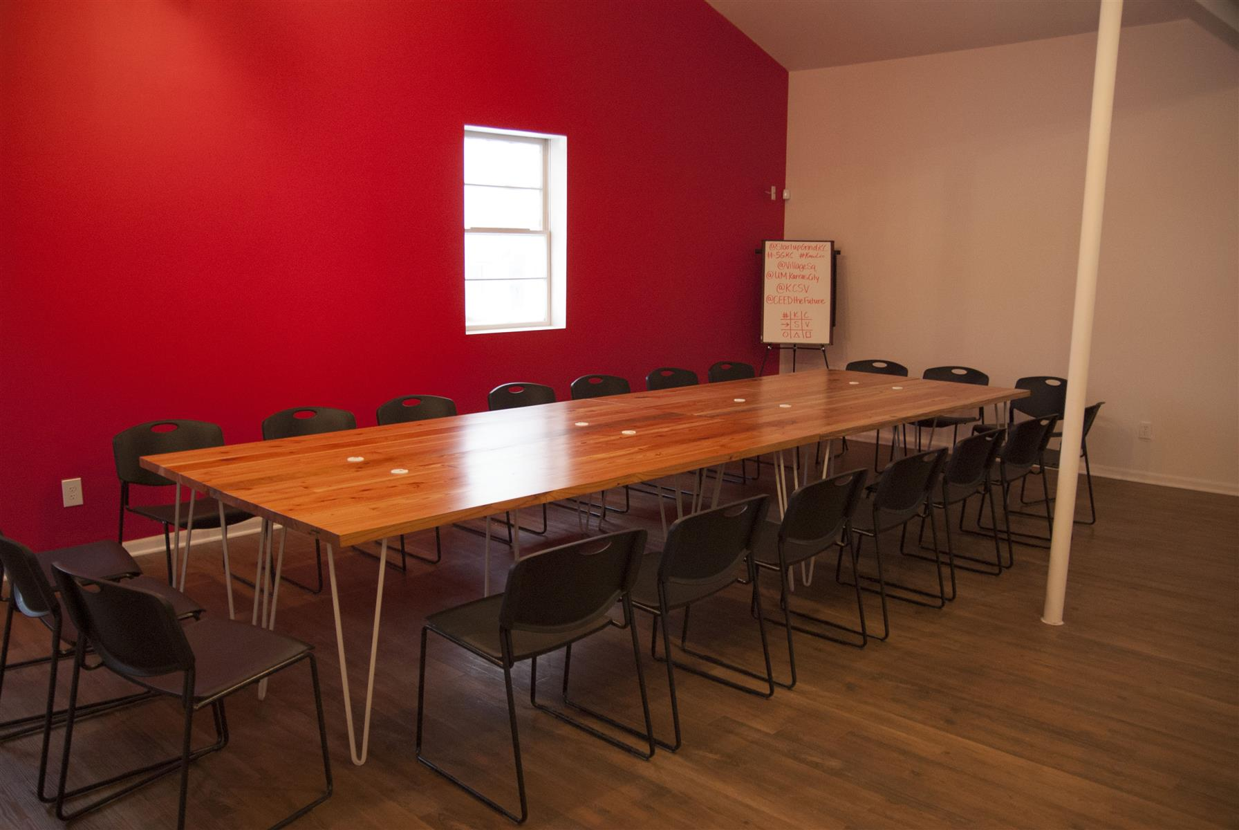Village Square Coworking Studio - Large Meeting Room/Event Space