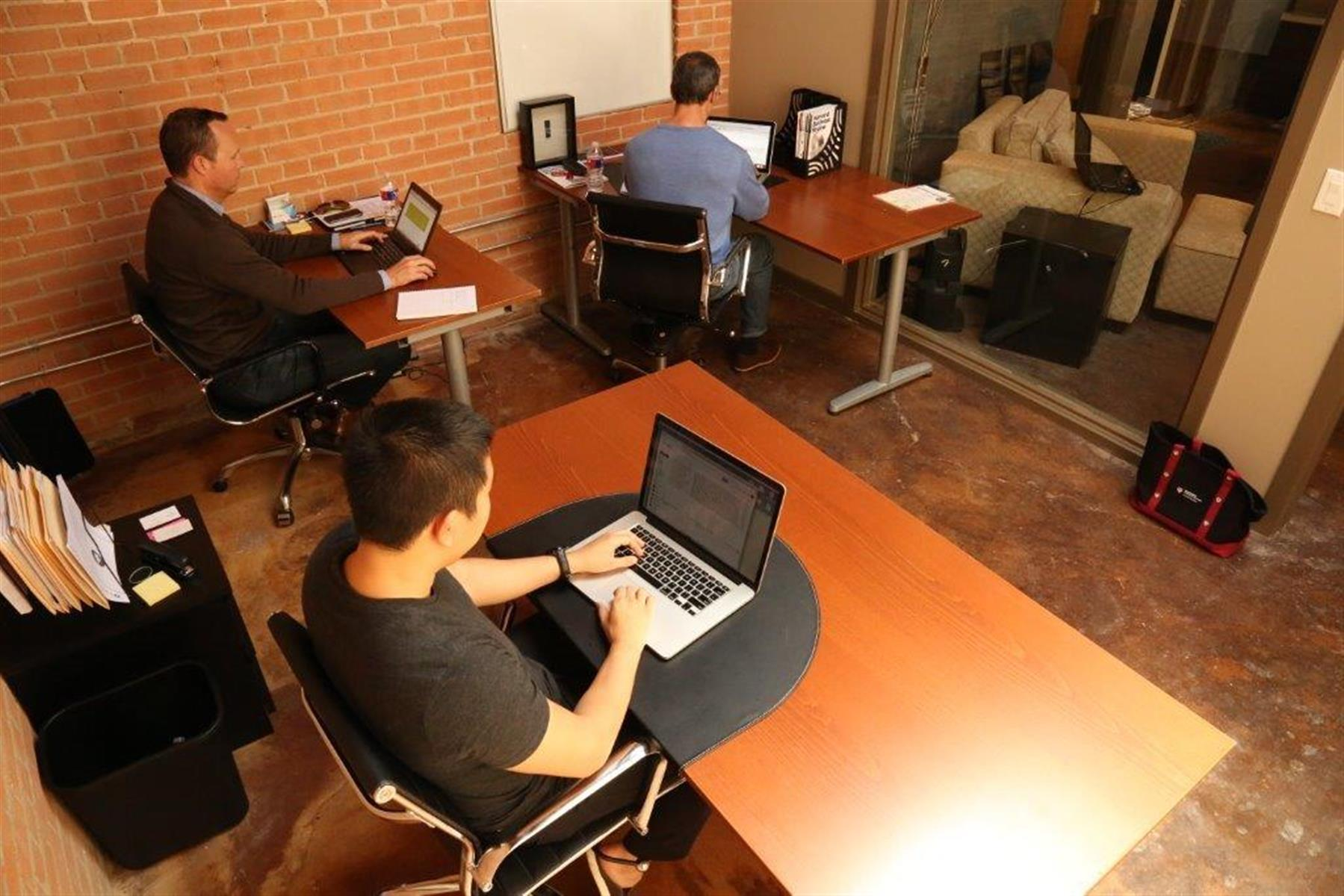 Dallas GeniusDen - Deep Ellum Downtown - GeniusDen Private Office