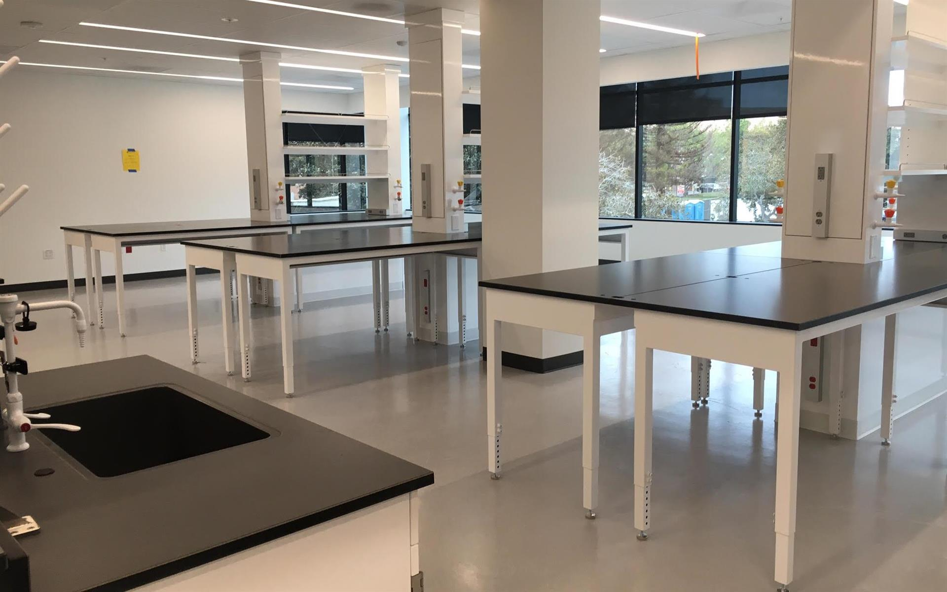 BioLabs San Diego - Wet Lab Bench