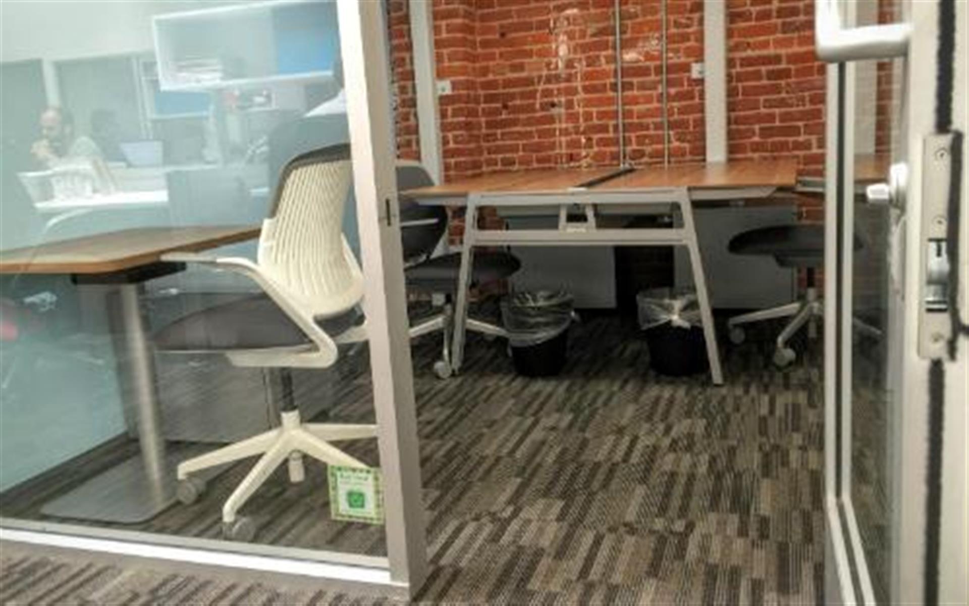 BLANKSPACES Santa Monica - Office for 4