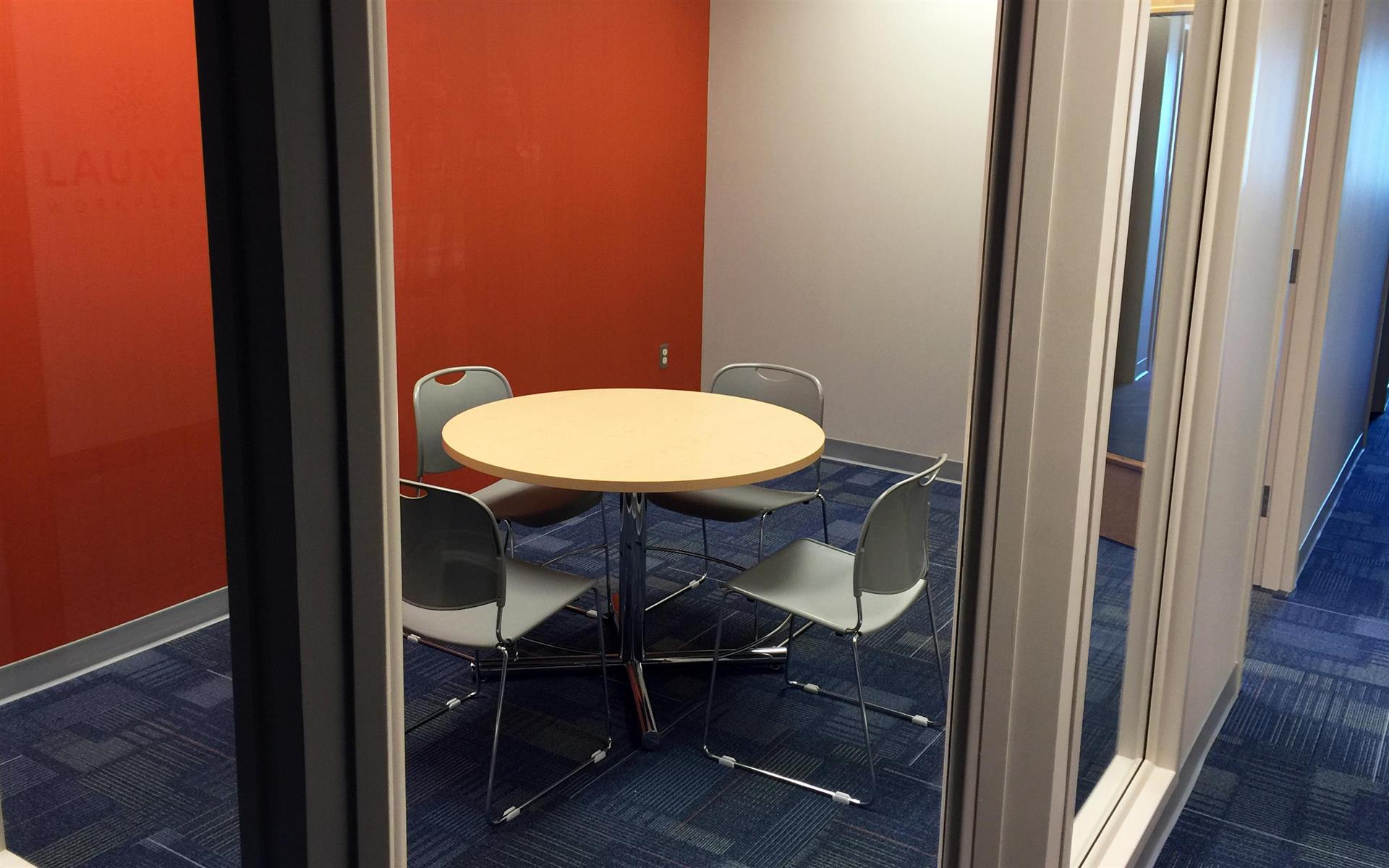Launch Workplaces Edgewater - Launch Small Conference Room