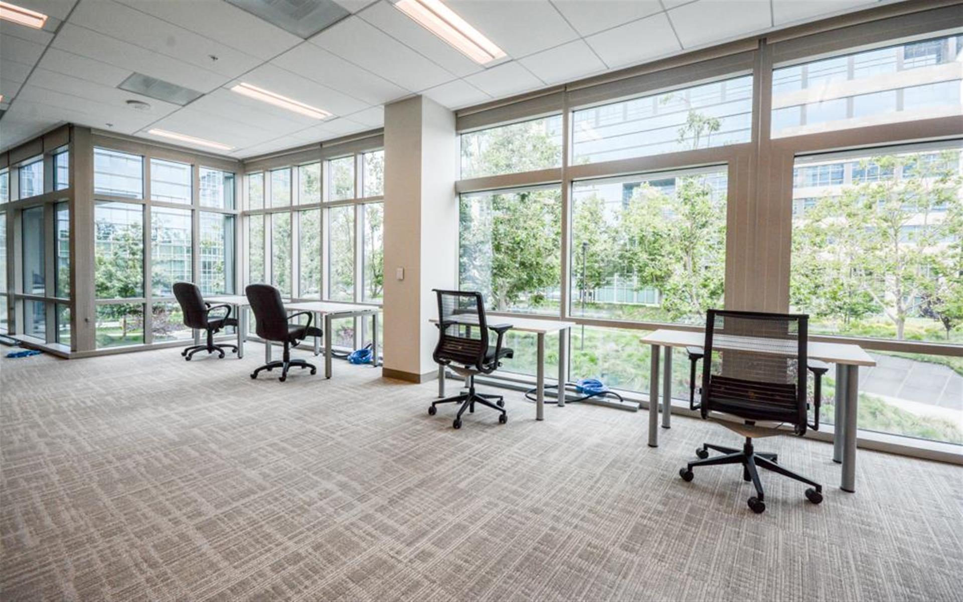 1050 Enterprise Way - Dedicated Desks for 20+