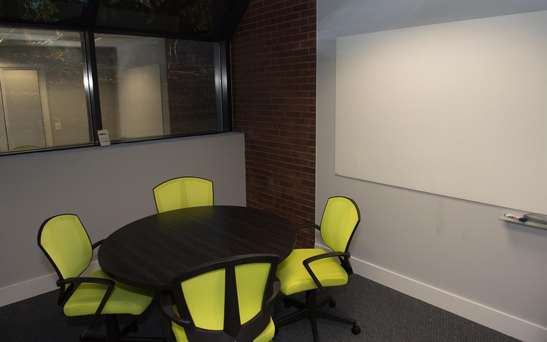 HeadRoom - Wayne - Office #5