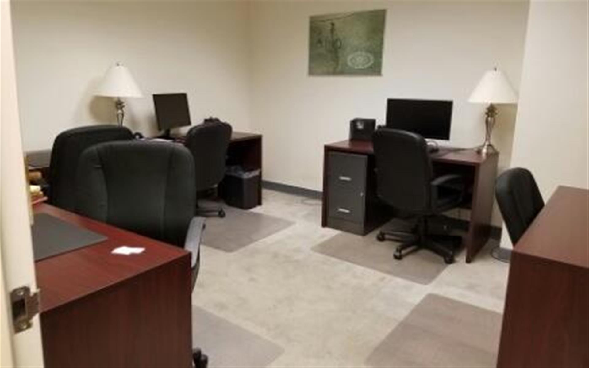 NYC Office Suites 708 (3rd Ave. & 44th) - Flexible Private Office Space 708 for 4
