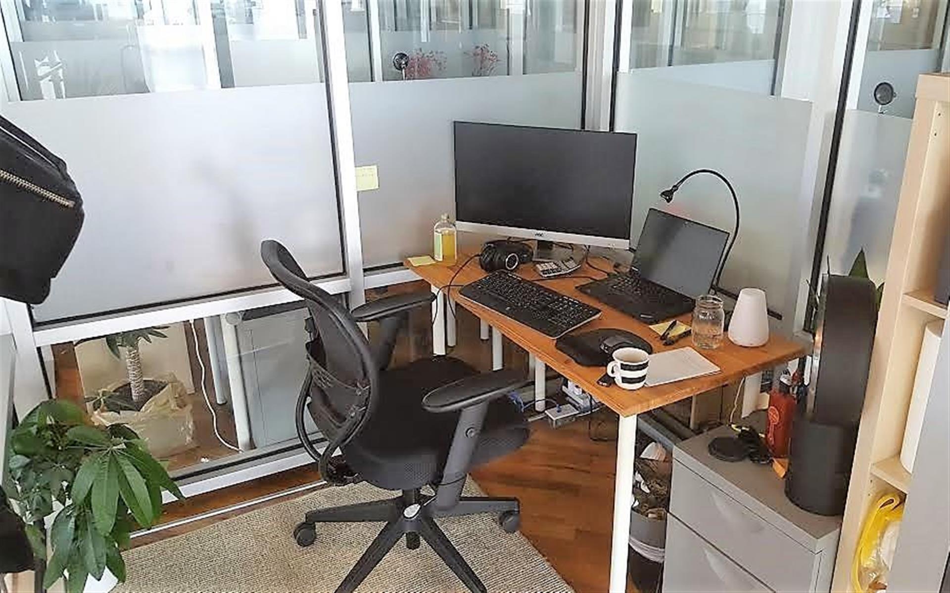 Green Desk - 240 Kent Ave - Large 1 Desk Private Office
