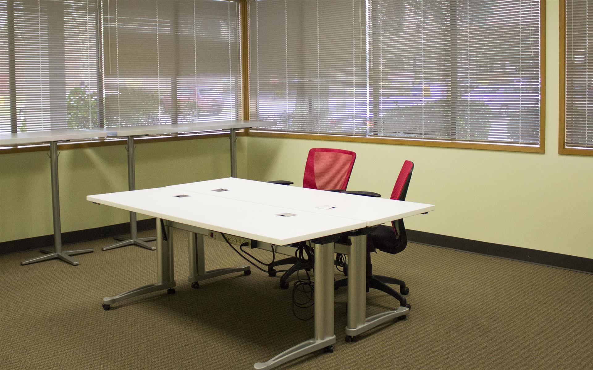 Overlake PS Business Park (Bld 17) - Open Desks
