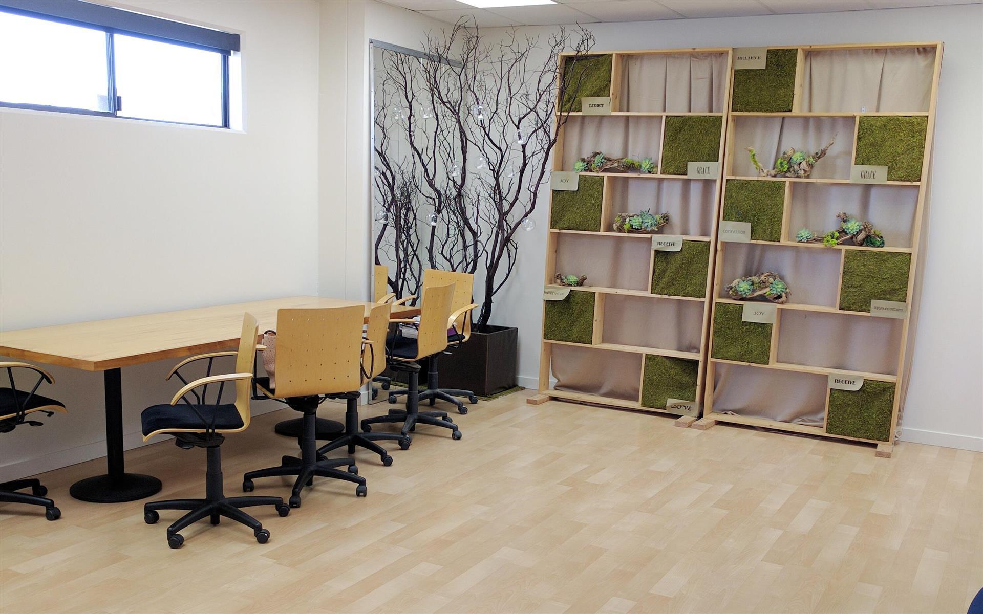 PointAcross Info Network, LLC - Private meeting room (weekend space)