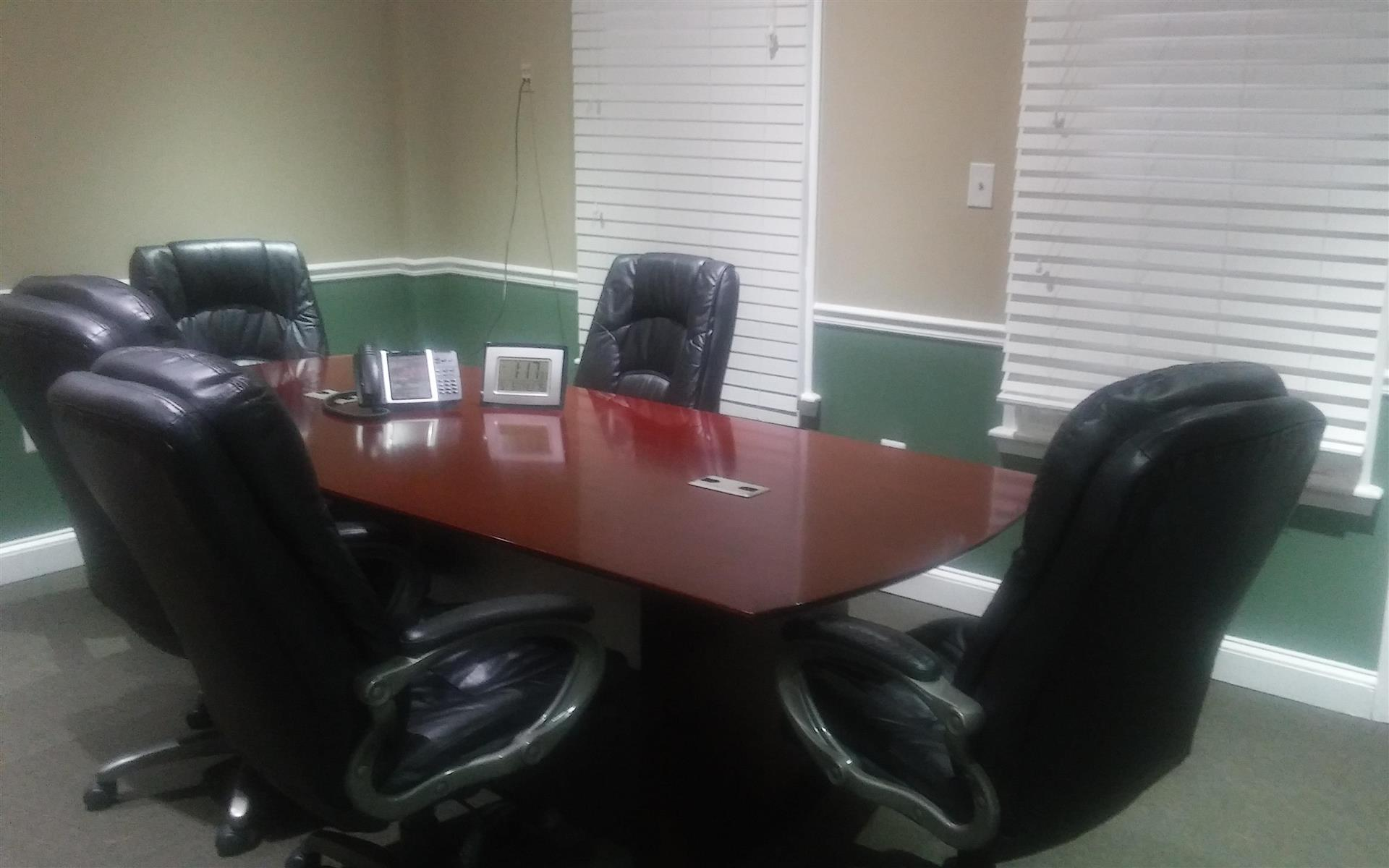 College Park Condo - Conference Room