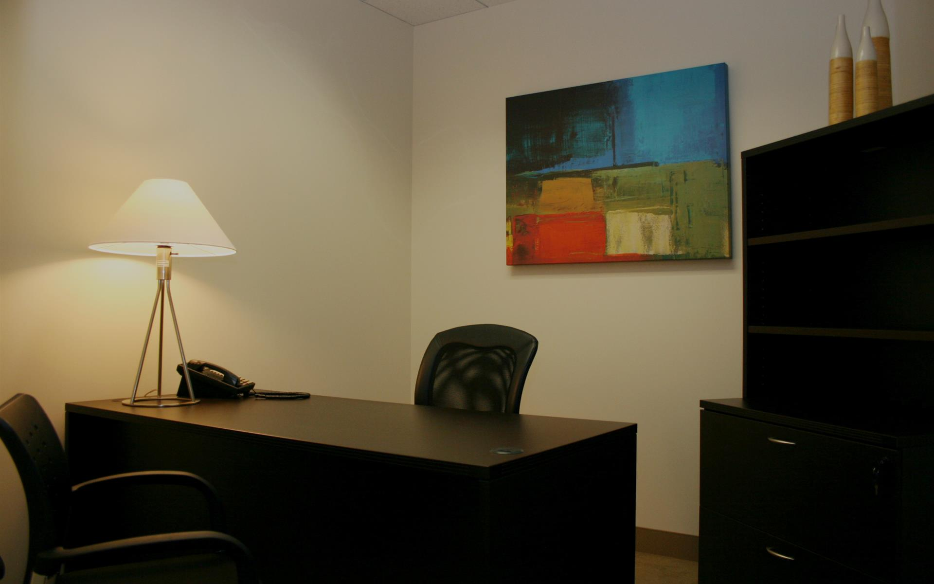 (BWD) Brentwood Wilshire Landmark - Interior Office