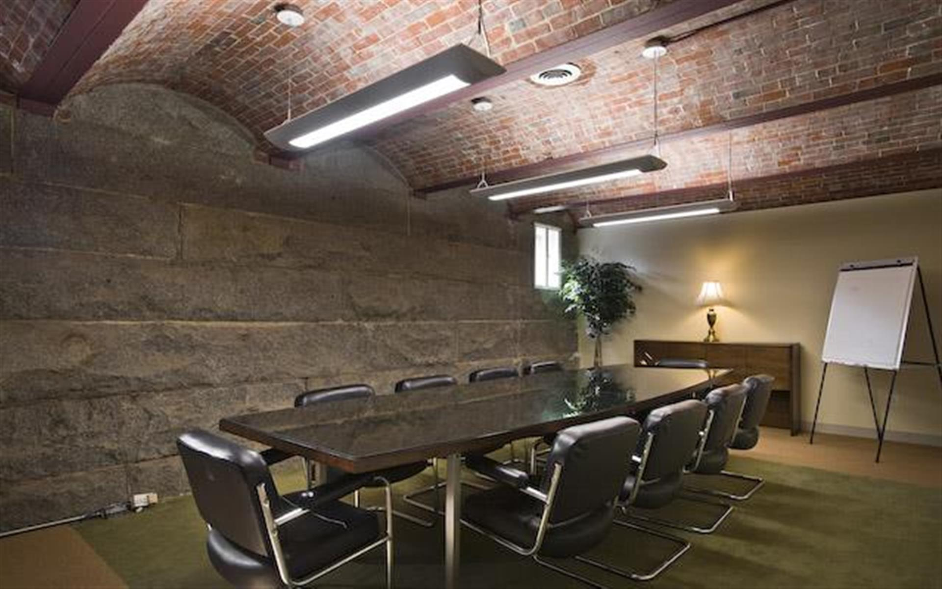 Admirals Hill Office Suites - Meeting Room