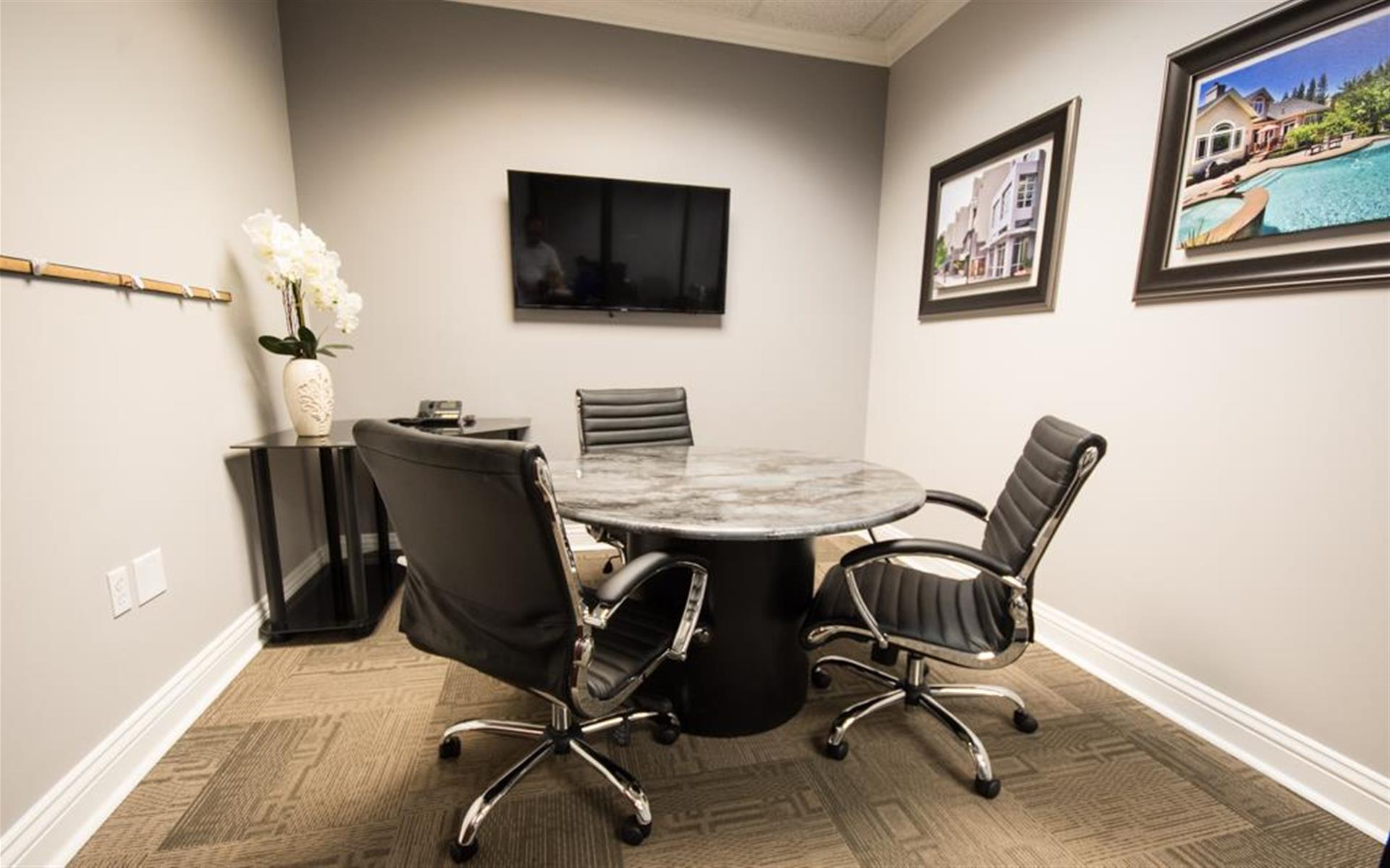 Better Homes & Gardens Real Estate - Small Conference Room