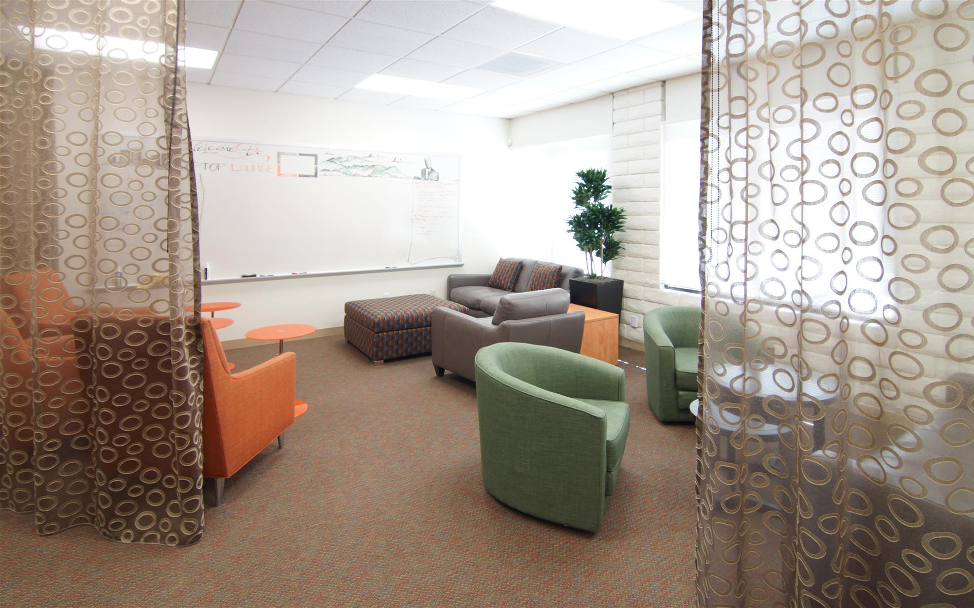 Laptop Lounge - Flex Lounge
