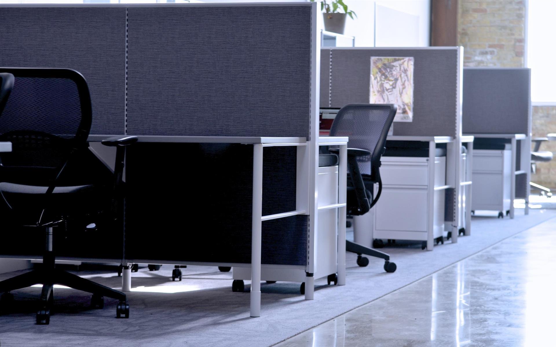 Domino - Dedicated Desk (Bay)