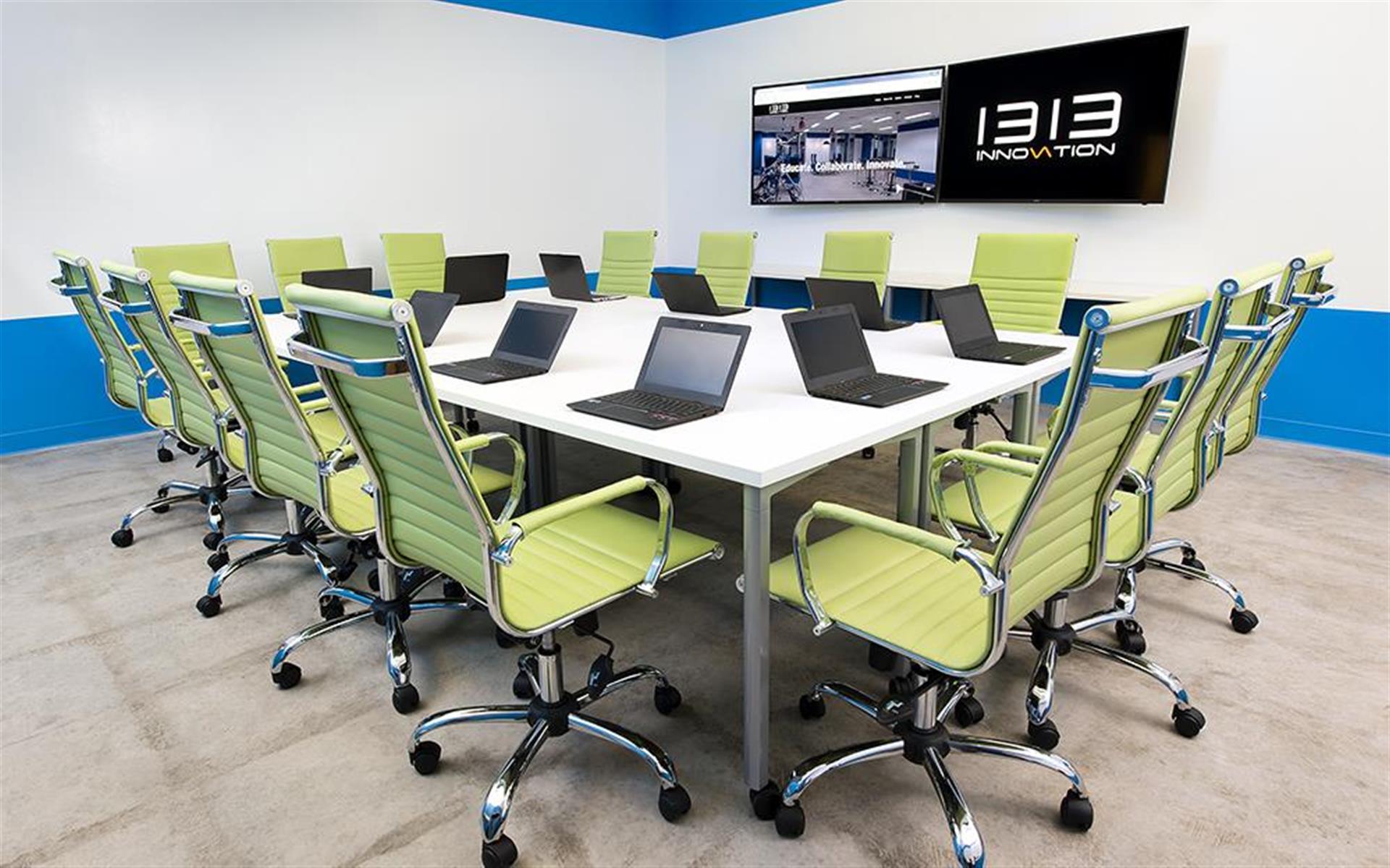 1313 Innovation - Training room - Smart TV