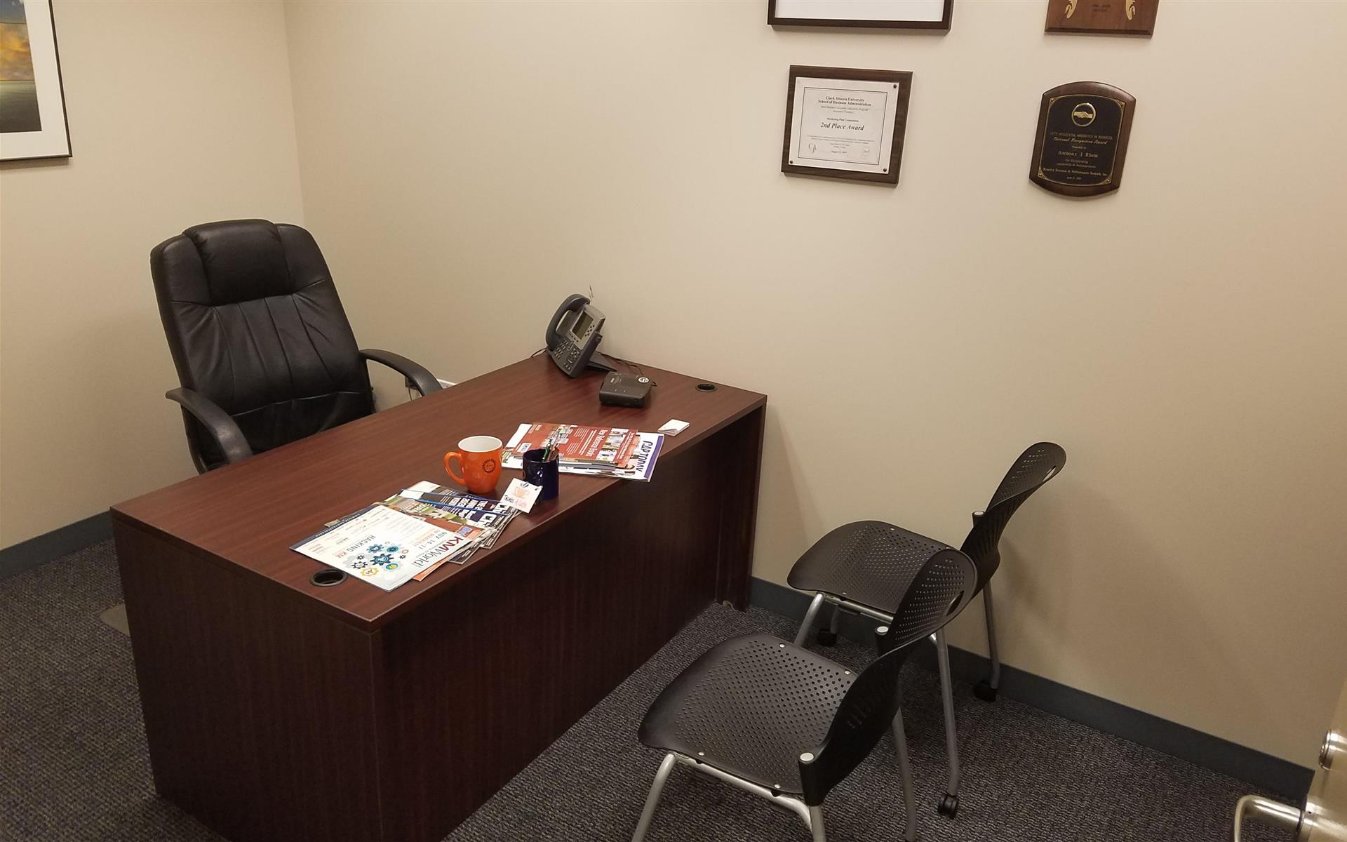 Chicago Virtual Office - Single office - interior