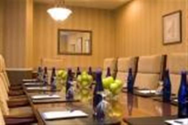 Hilton Garden Inn Auburn Riverwatch - Dorothy Lewis Boardroom