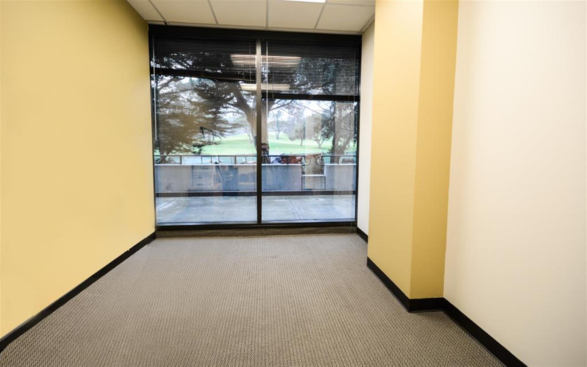 Golf Course Views Office - Class A - private office (unfurnished)