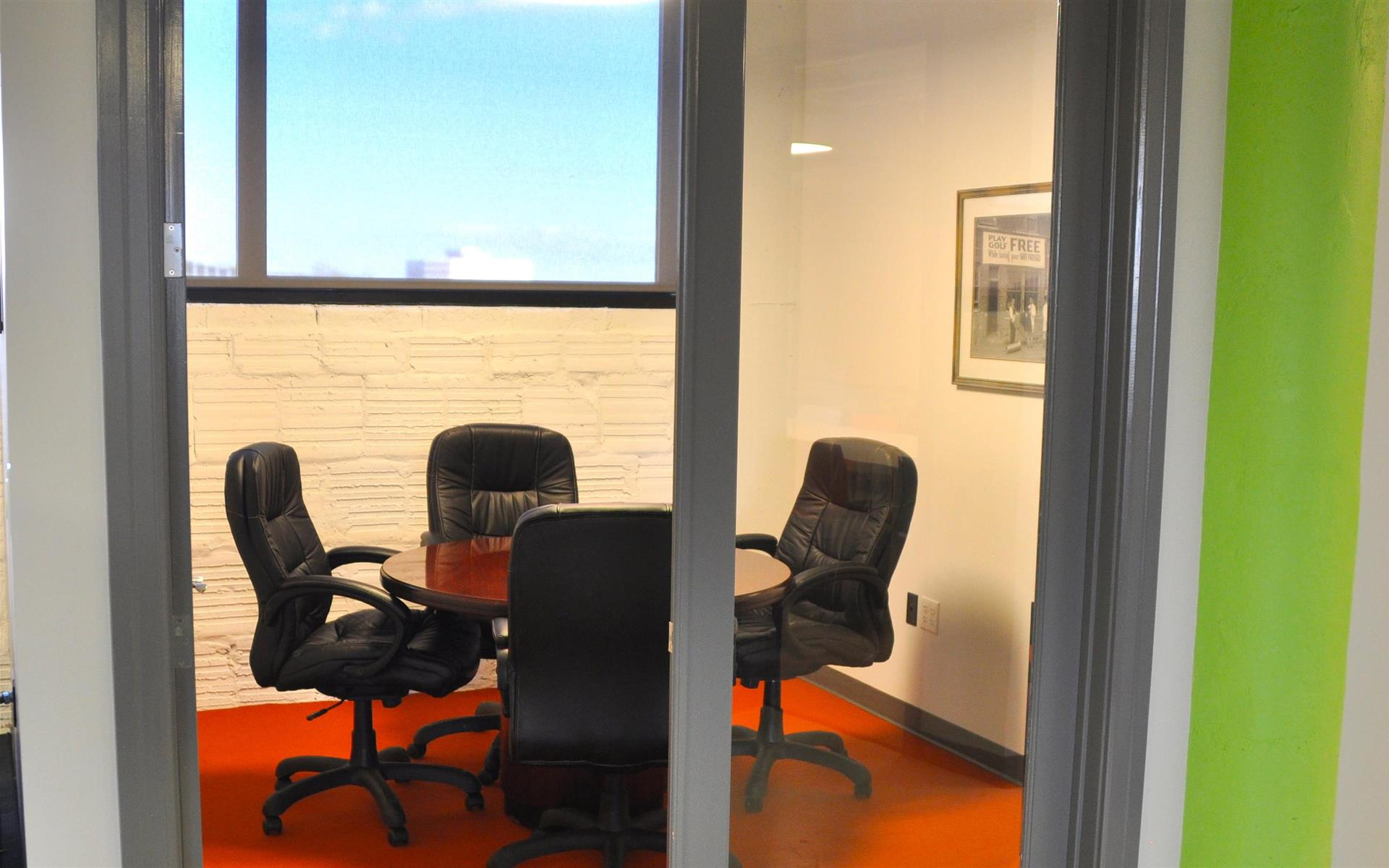COMRADITY Strategy & Creative Resource Center - Mini Board Room