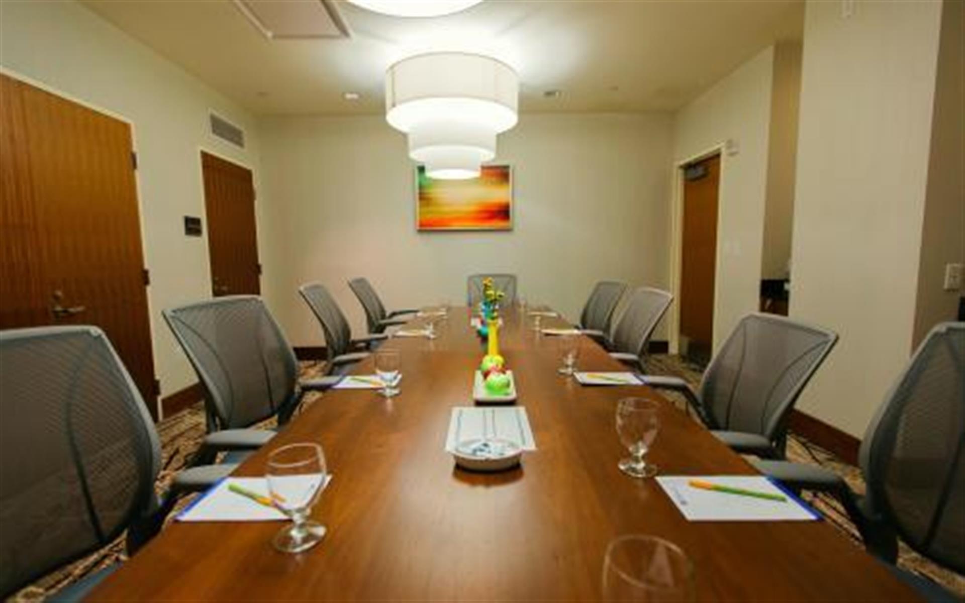 Hilton Garden Inn - Long Island City - Board Room