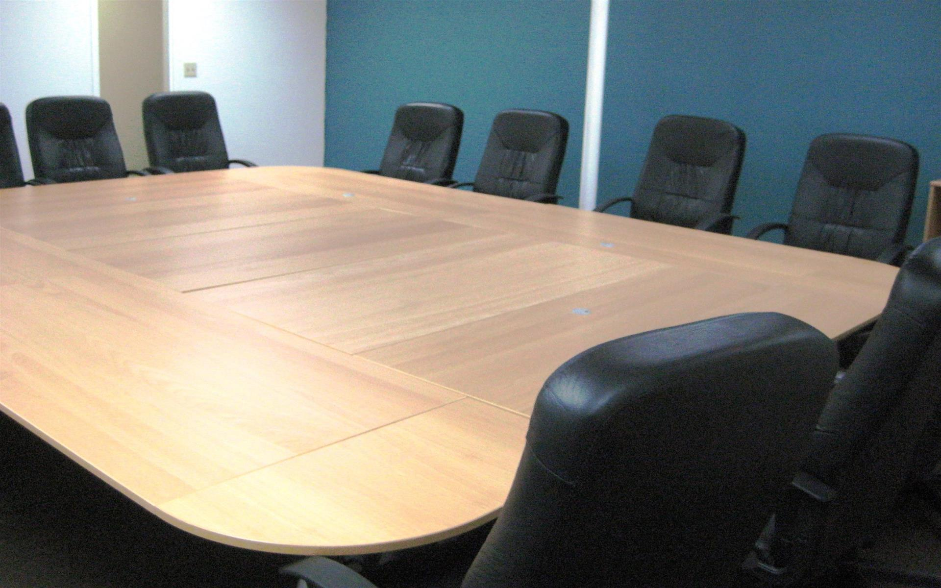 The Pad, Silicon Valley - The Boardroom: 25 - 35 people