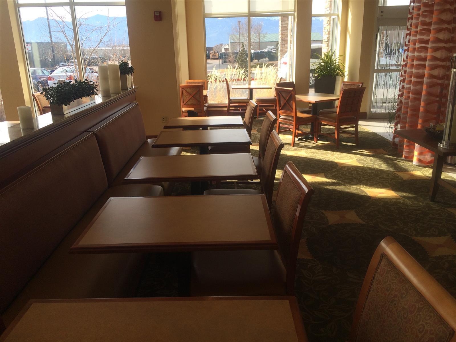 Hilton Garden Inn Colorado Springs Airport - Lobby Atrium - Space 2