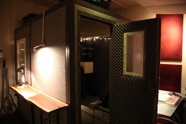 Brooklyn Sound Room - Private Desk Area