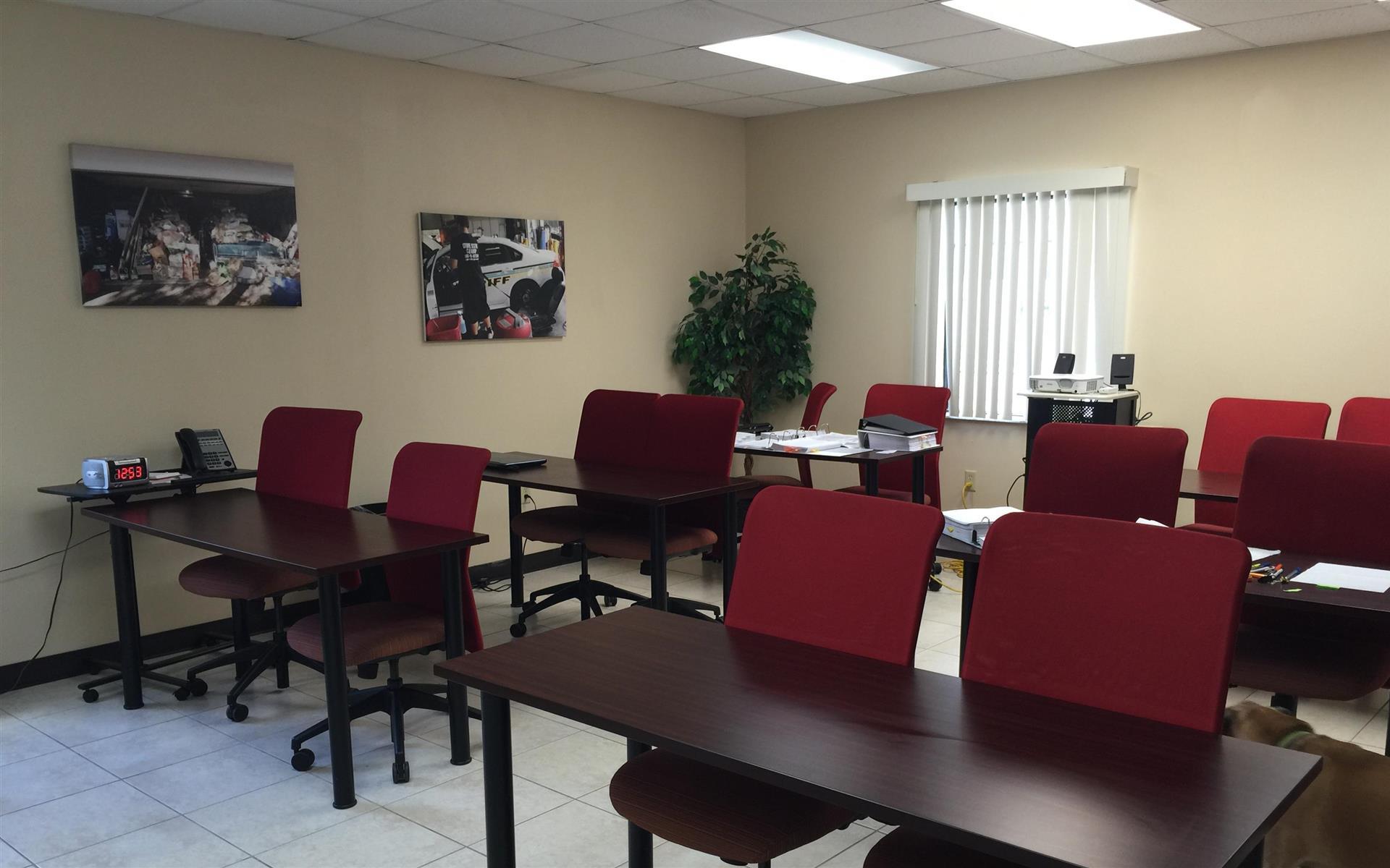 Spaulding Decon - Monthly & Hourly Space - Meeting Room 1