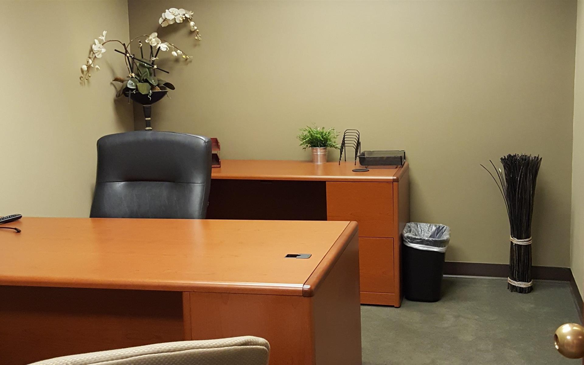(CIN) Columbia Plaza - Interior Office