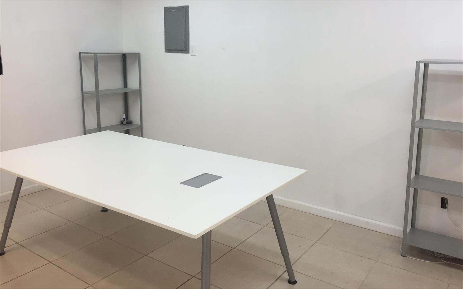 Quiet Office Space - Semi Private Meeting Space