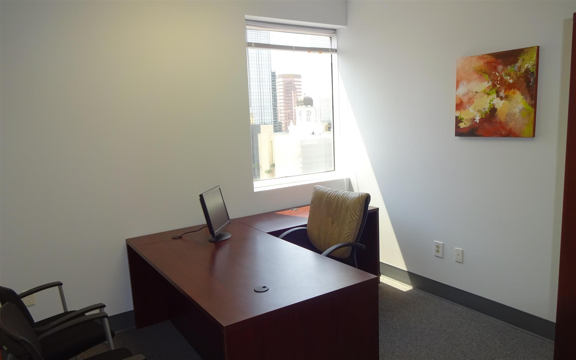 Suites@Madison - Private Office