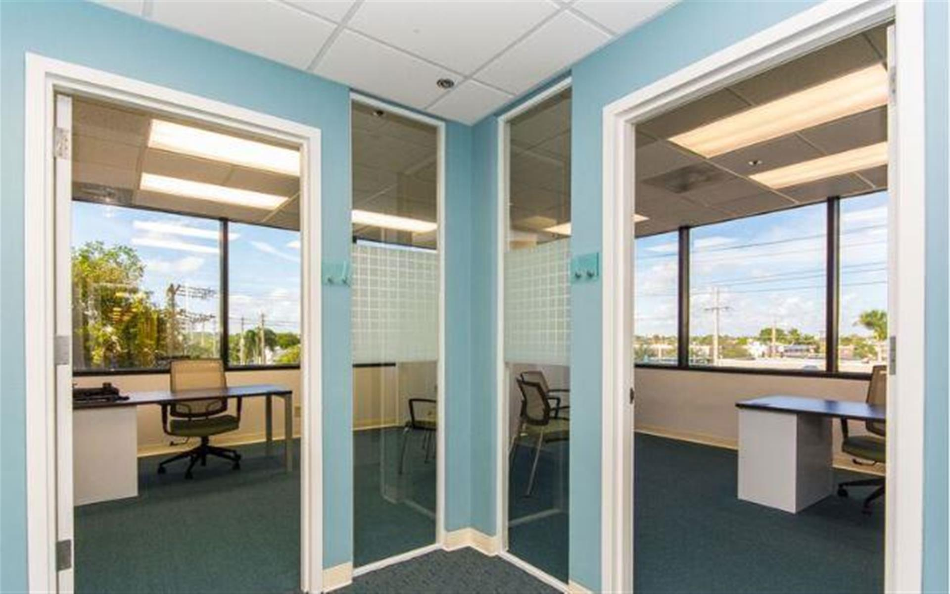 Quest Workspaces - West Palm Beach Downtown - Office 11/12