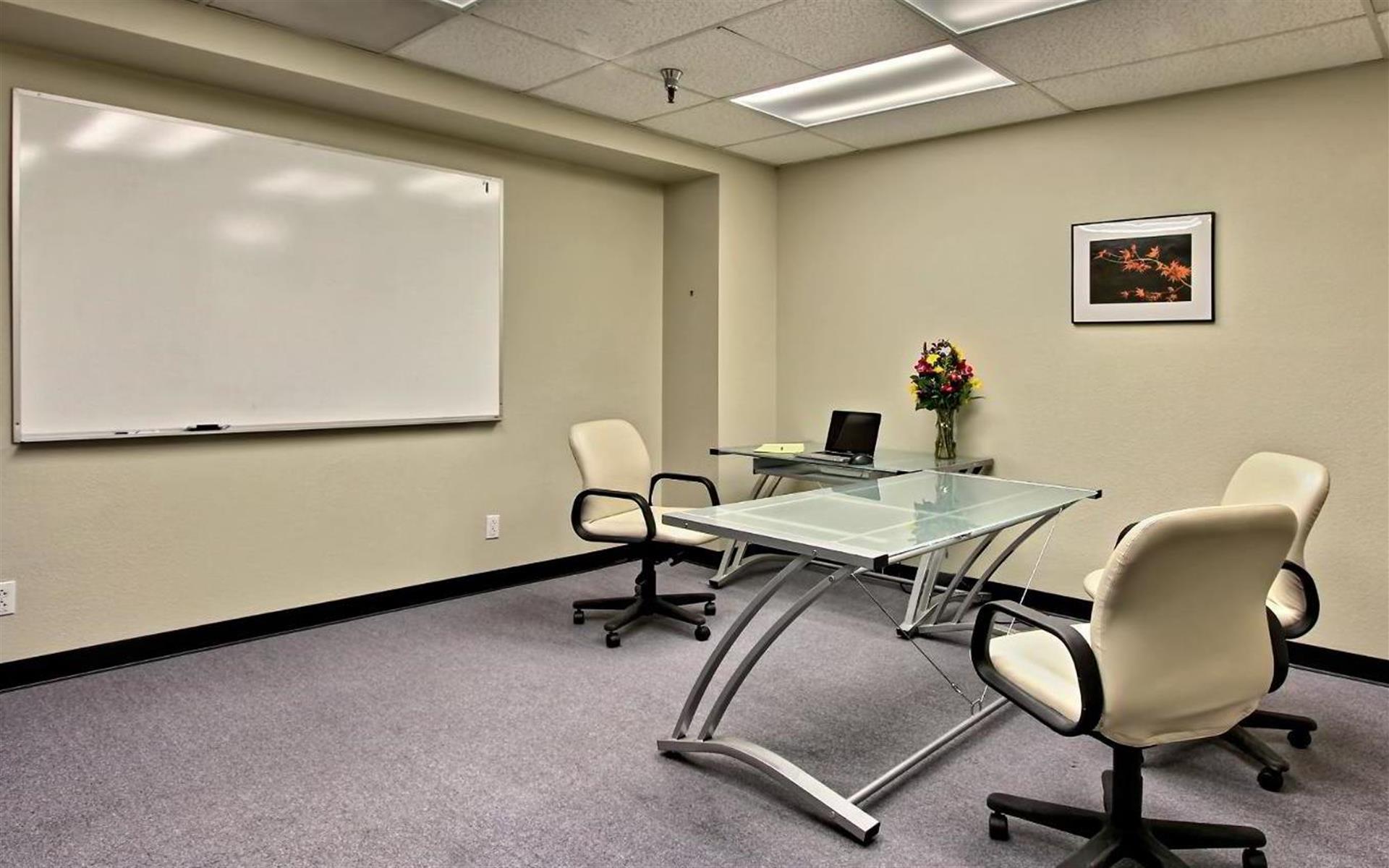 The Satellite Scotts Valley - Team Room
