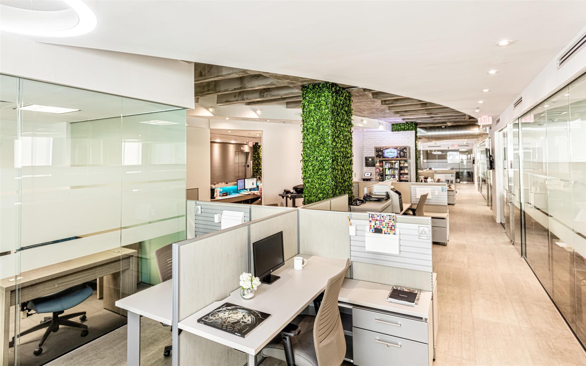StartHub Miami - Dedicated Desk