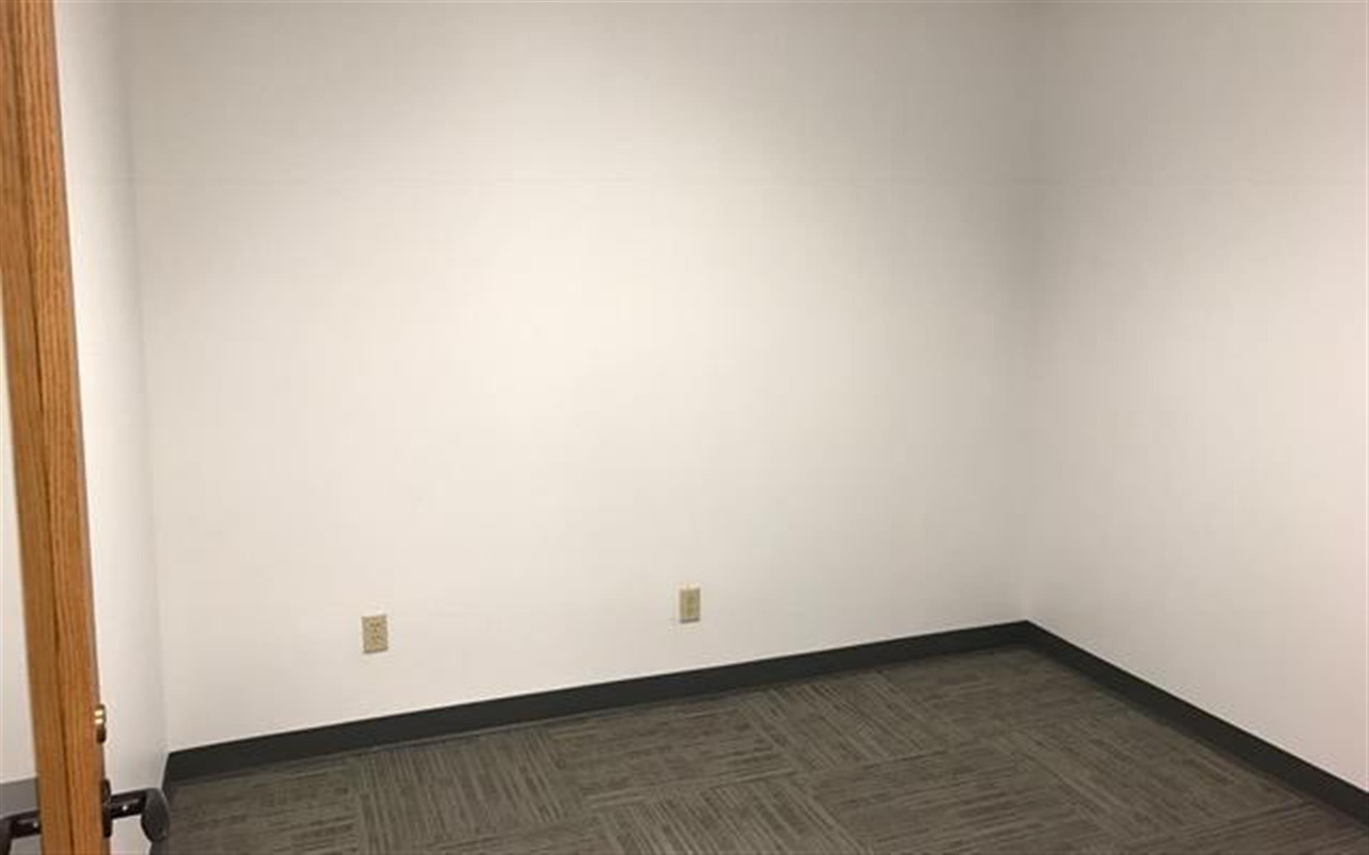 Office Space in Bellevue 405/520 Corridor - Interior Office 3