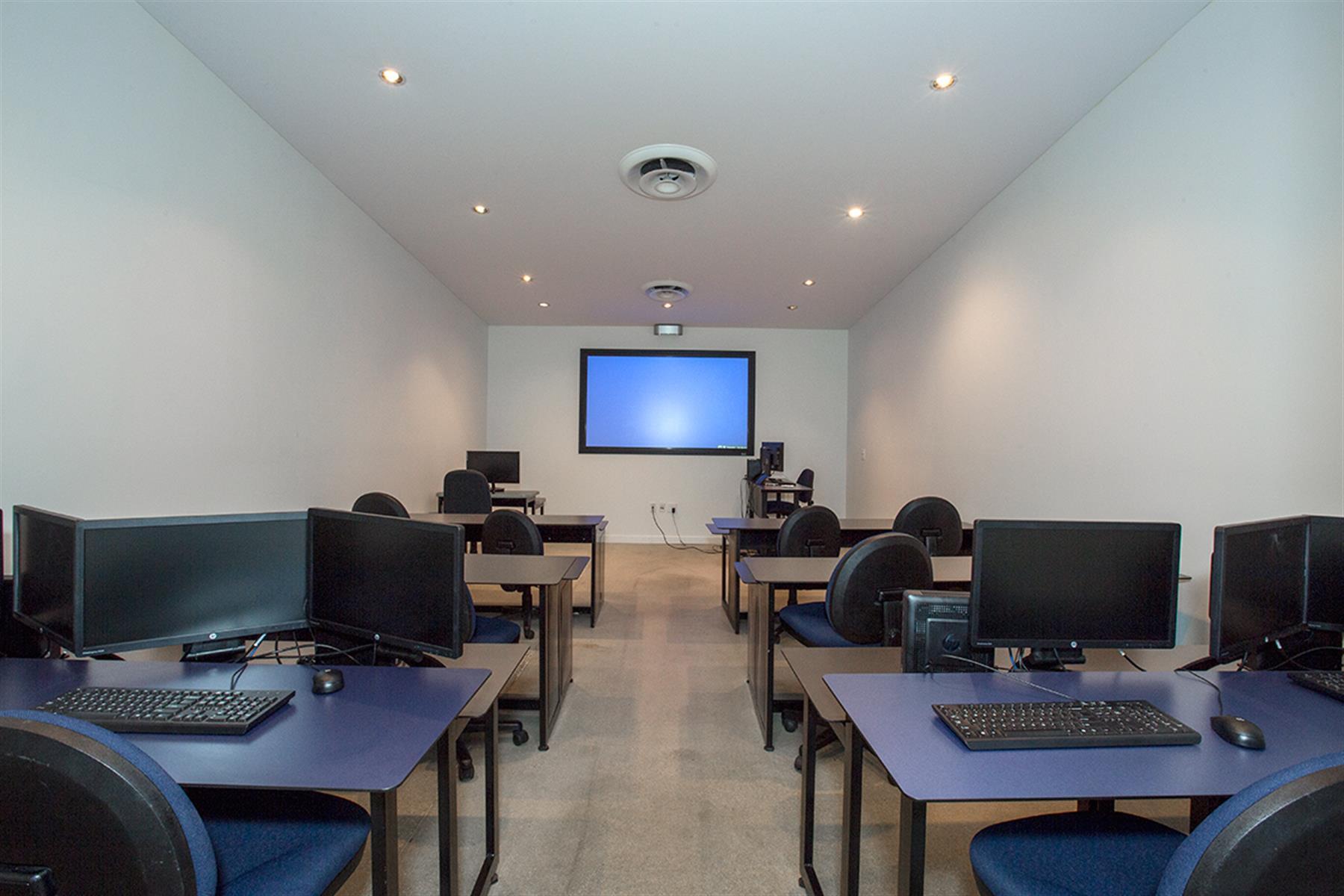 BLUEist Training - Studio 2