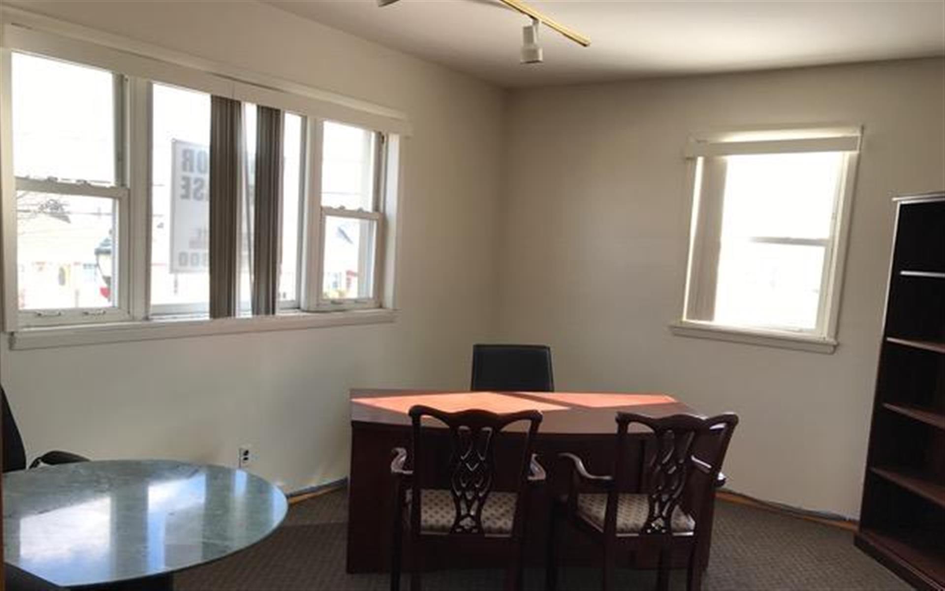 Arkaid LLC - Corner Office