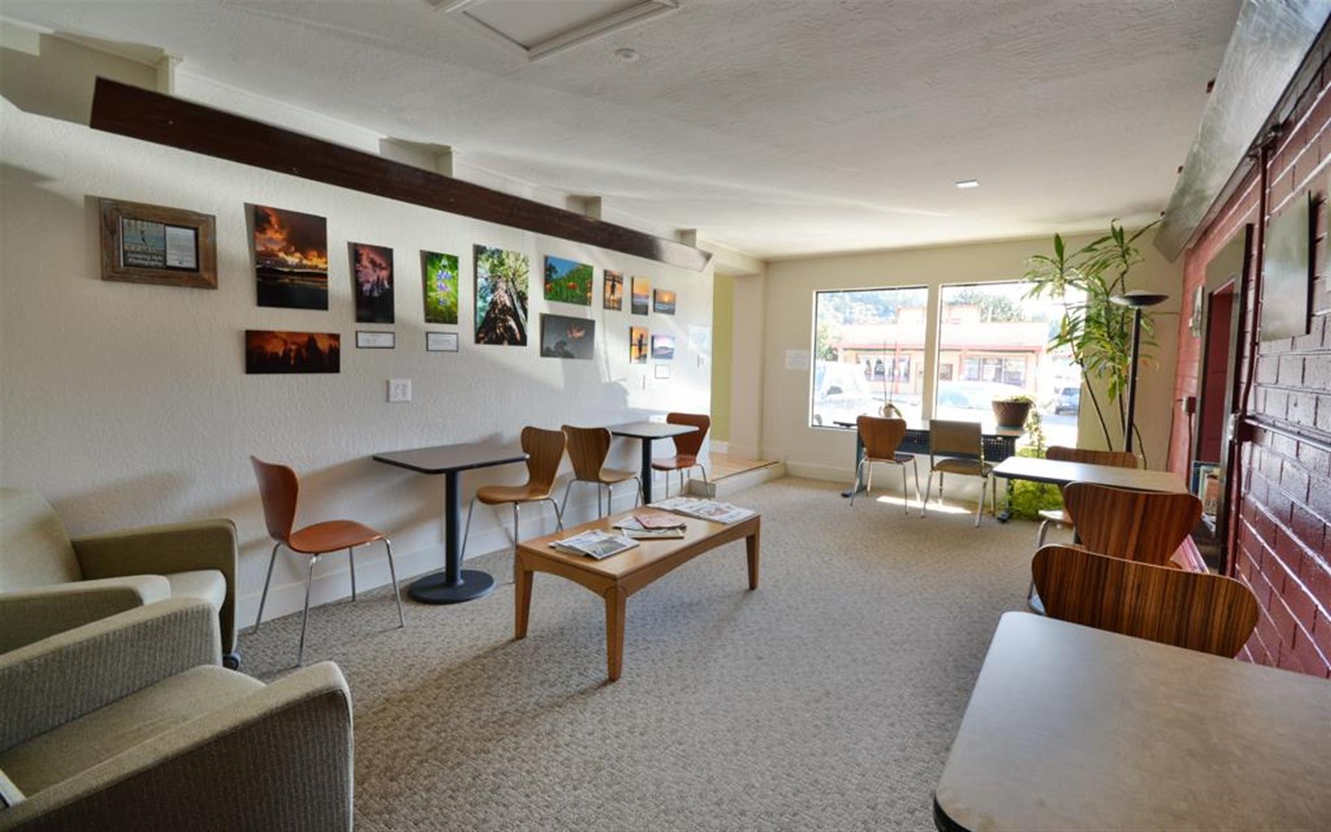 The Satellite Felton - Cafe Space