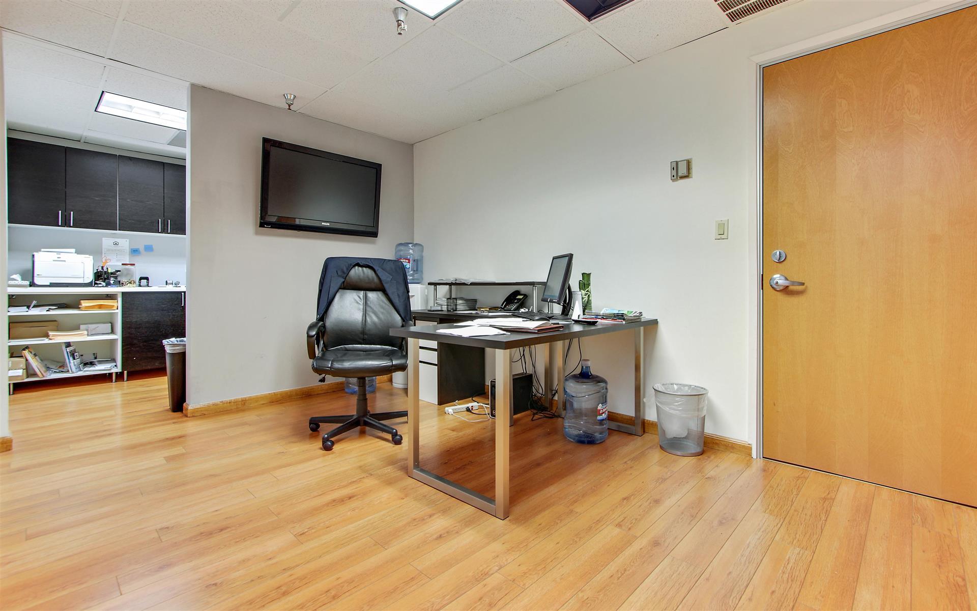Soma Capital   16200 Ventura Blvd. - Team Office Suite 226
