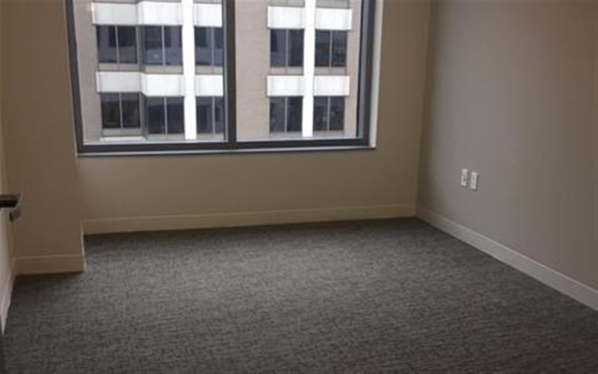 Centurion Center DC - Suite E16 - Windowed Office