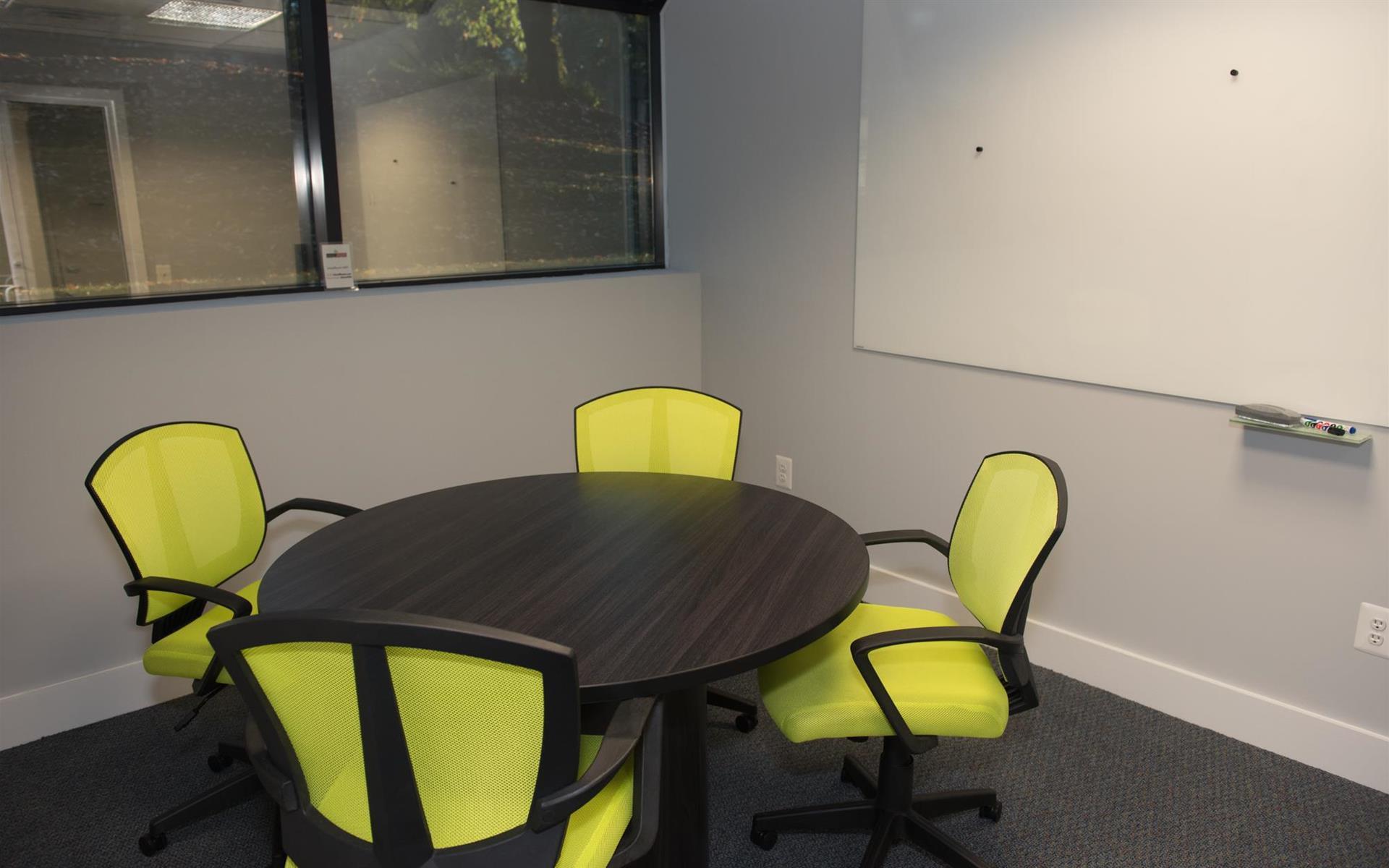 HeadRoom - Wayne - Office #3