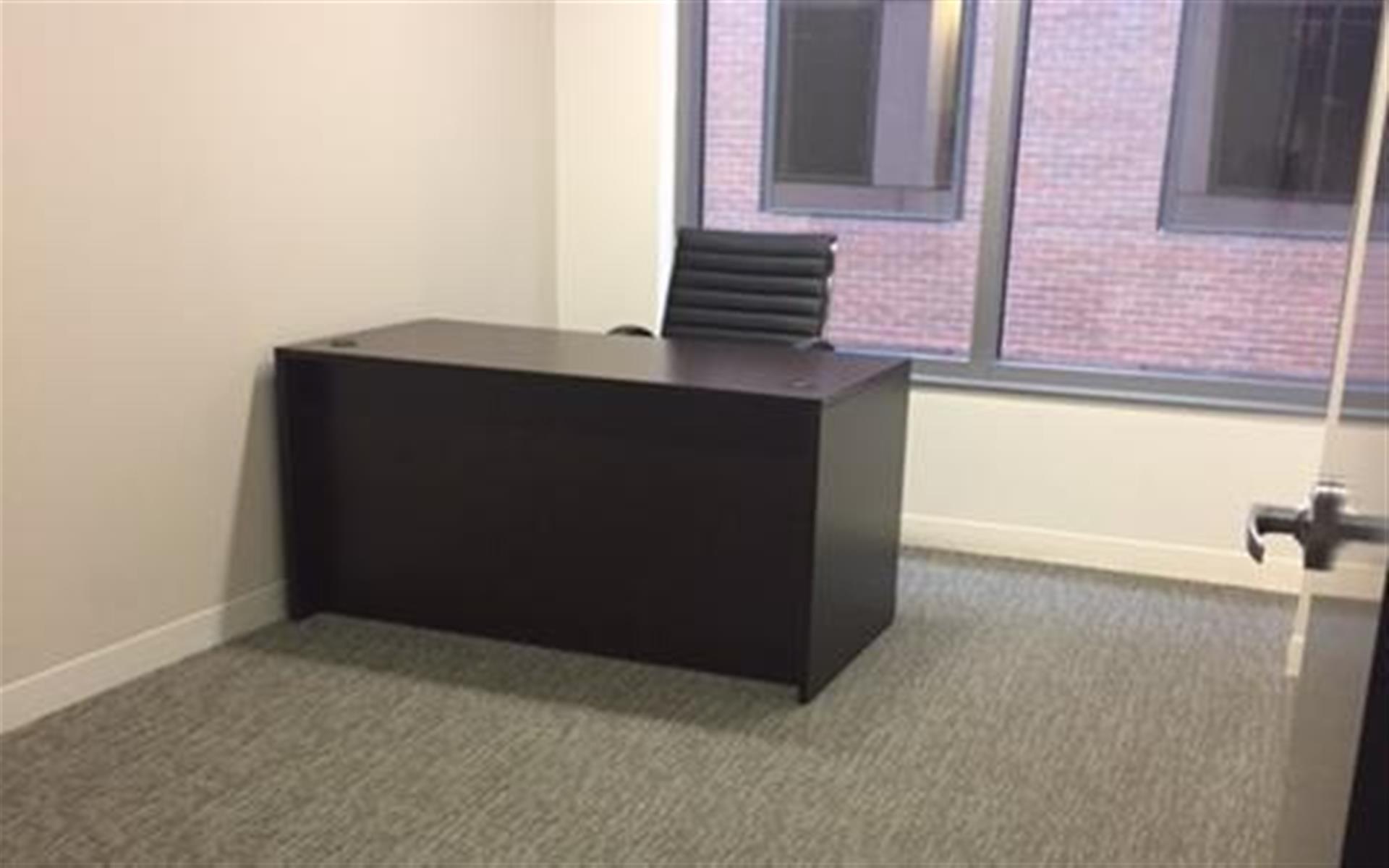 Centurion Center DC - Suite E5 - Windowed Office